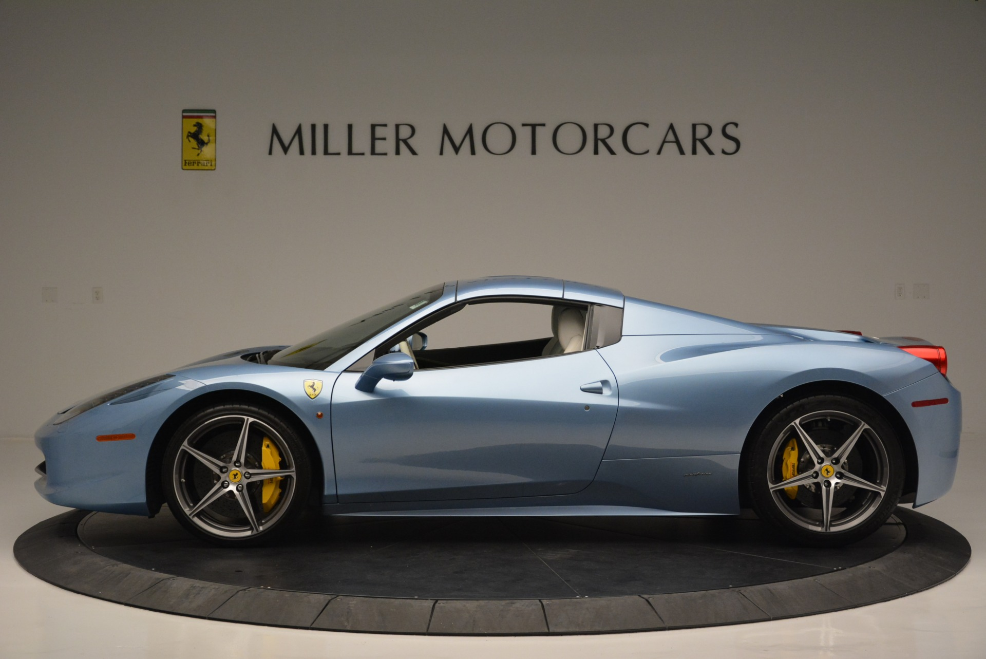 Used 2012 Ferrari 458 Spider  For Sale In Greenwich, CT. Alfa Romeo of Greenwich, 4492 2413_p15