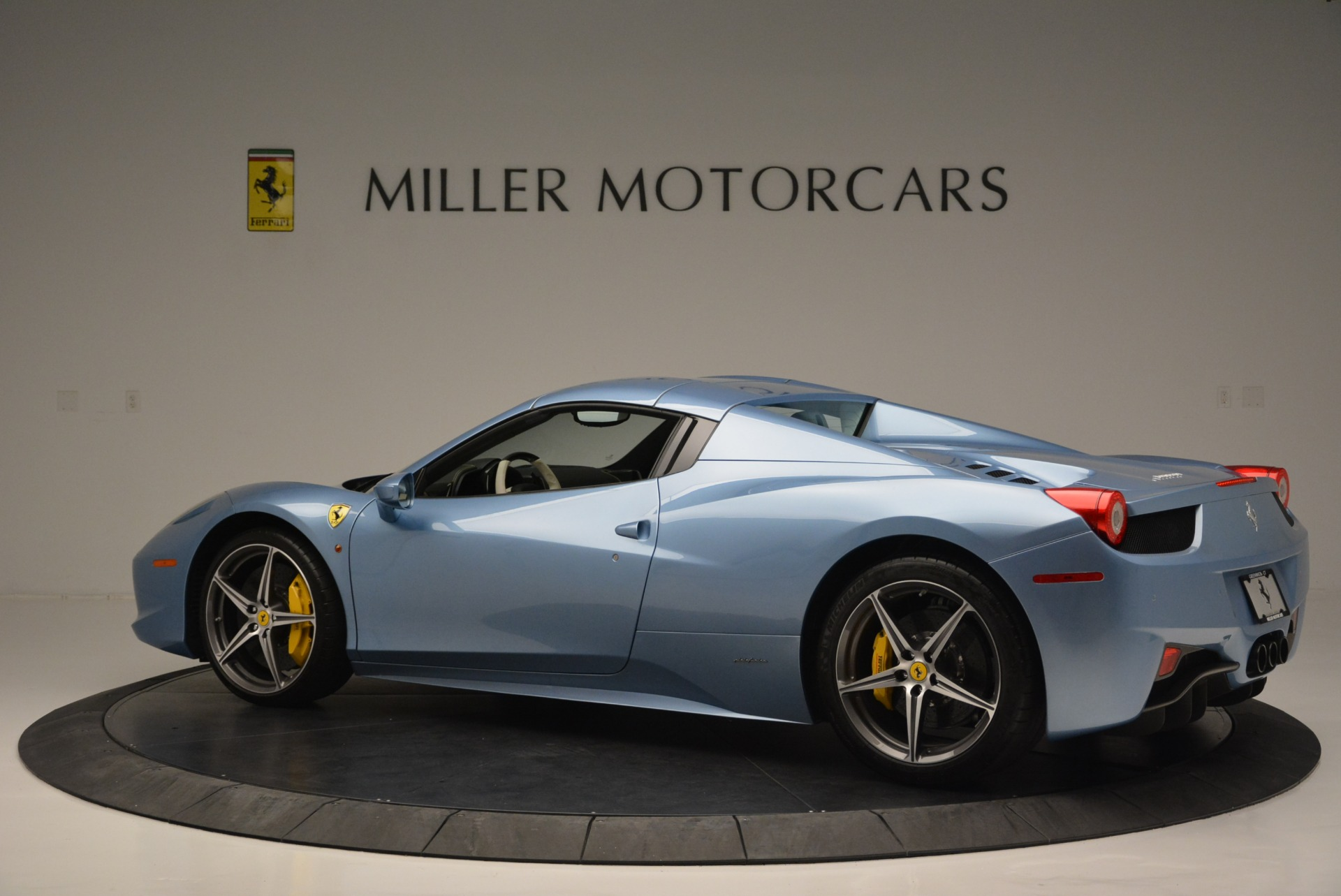 Used 2012 Ferrari 458 Spider  For Sale In Greenwich, CT. Alfa Romeo of Greenwich, 4492 2413_p16