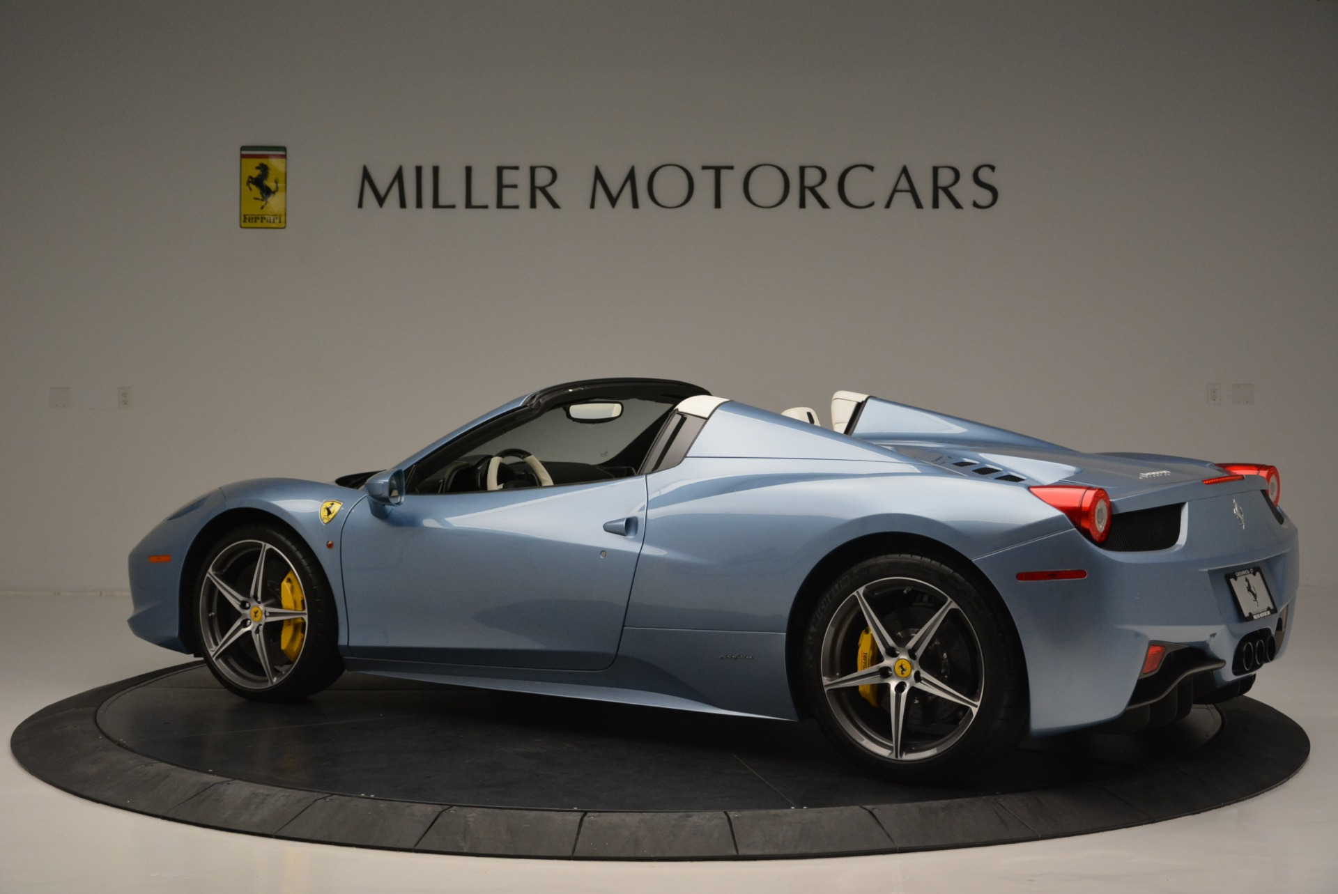 Used 2012 Ferrari 458 Spider  For Sale In Greenwich, CT. Alfa Romeo of Greenwich, 4492 2413_p4