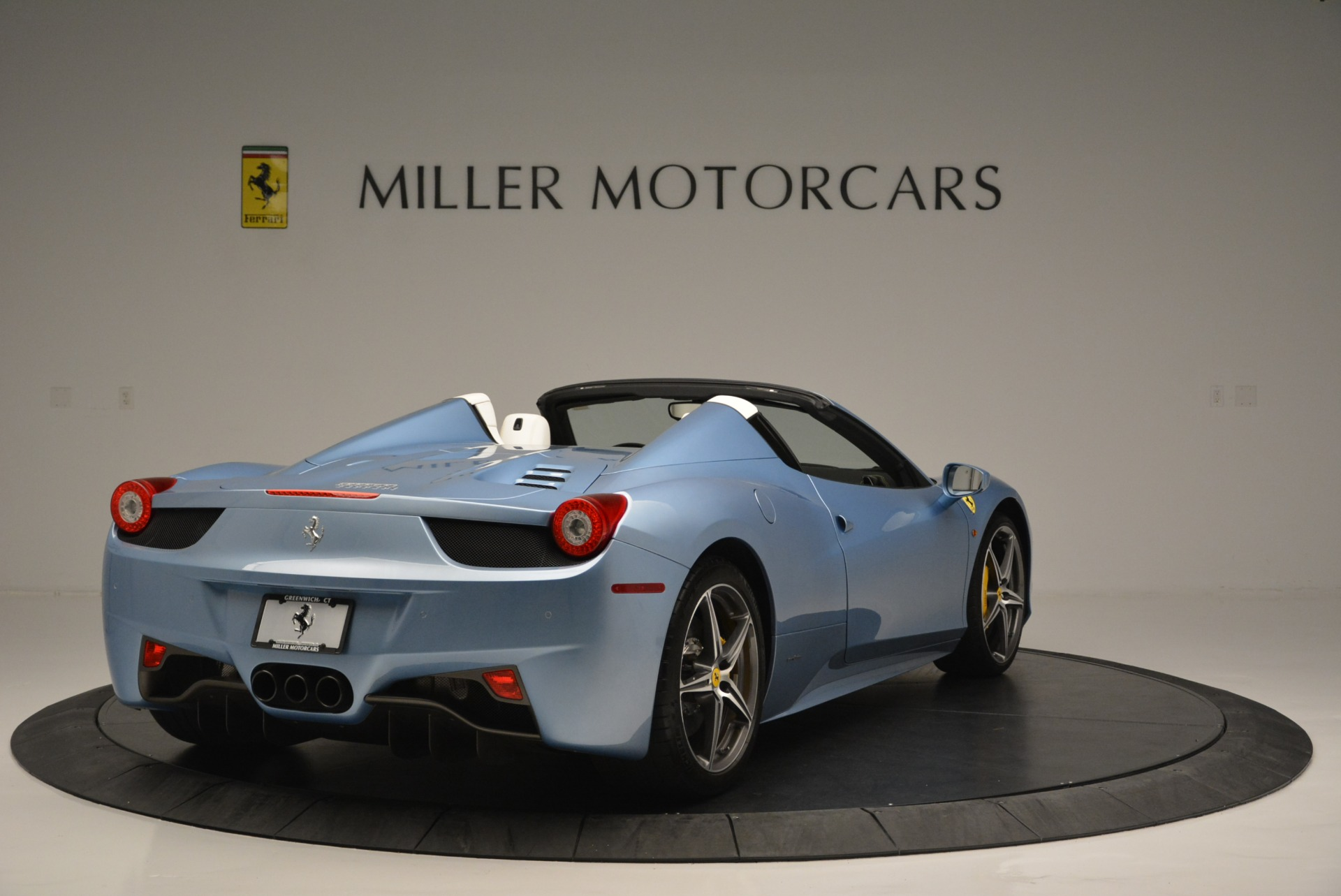 Used 2012 Ferrari 458 Spider  For Sale In Greenwich, CT. Alfa Romeo of Greenwich, 4492 2413_p7