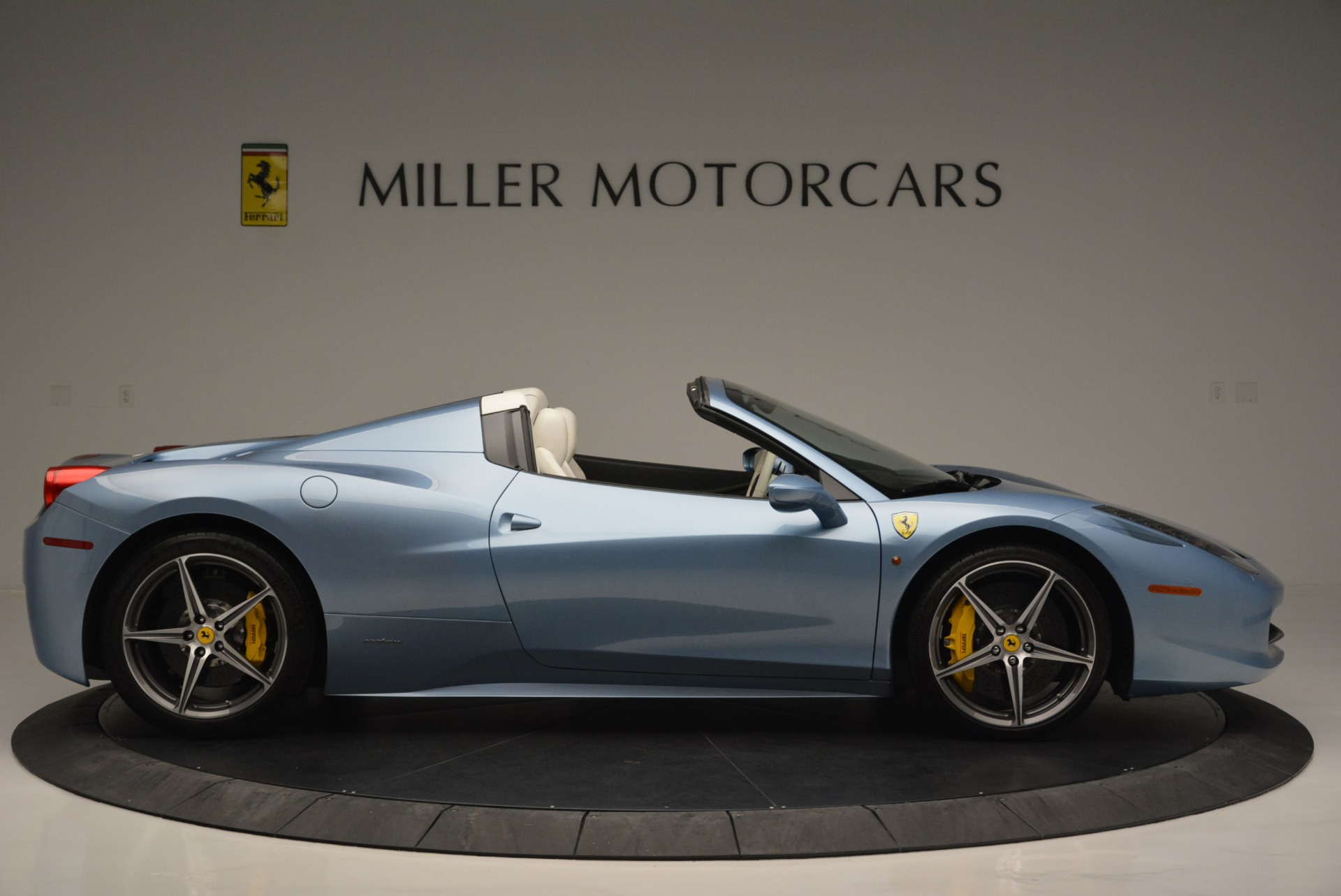 Used 2012 Ferrari 458 Spider  For Sale In Greenwich, CT. Alfa Romeo of Greenwich, 4492 2413_p9