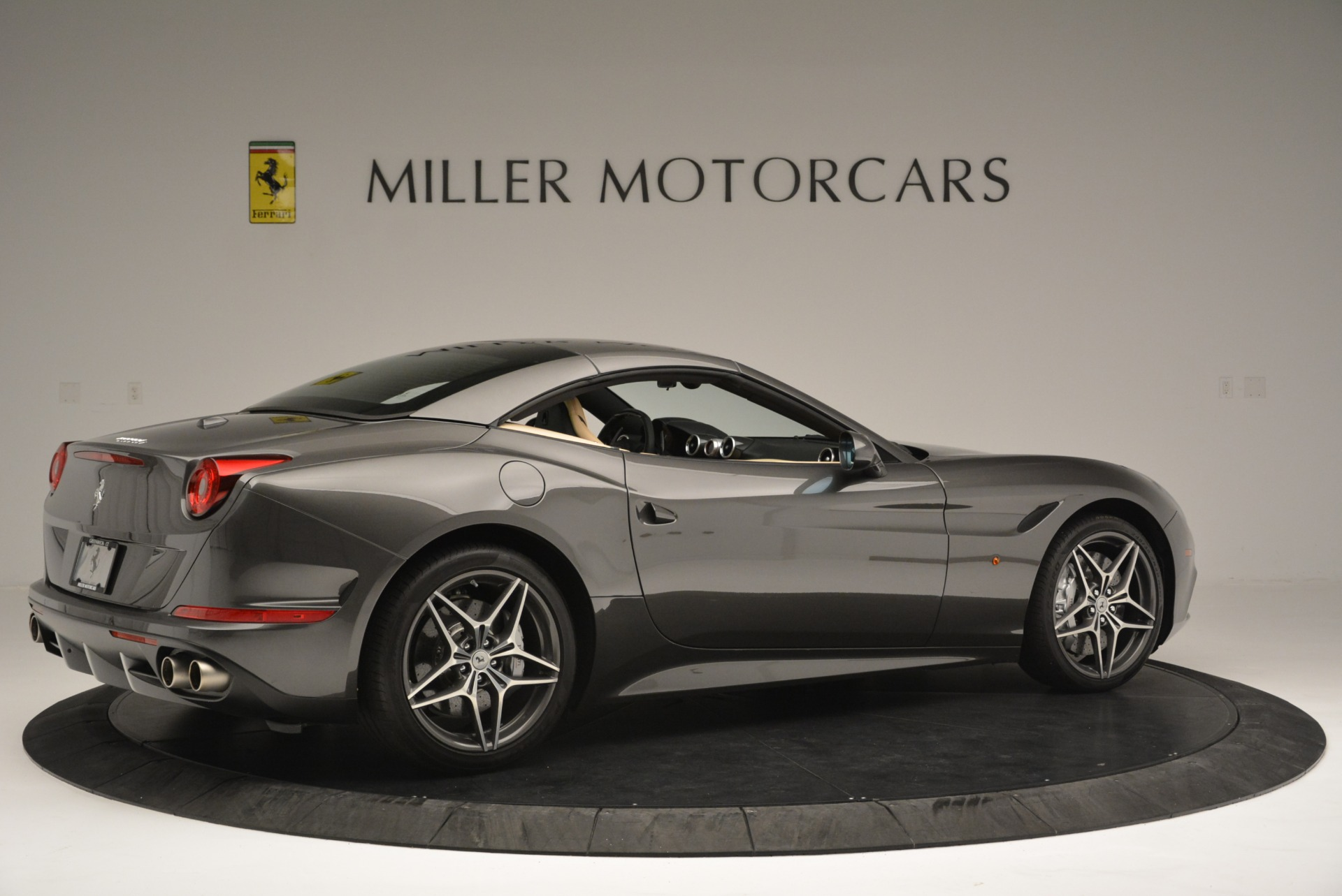 Used 2015 Ferrari California T  For Sale In Greenwich, CT. Alfa Romeo of Greenwich, 4493 2415_p20