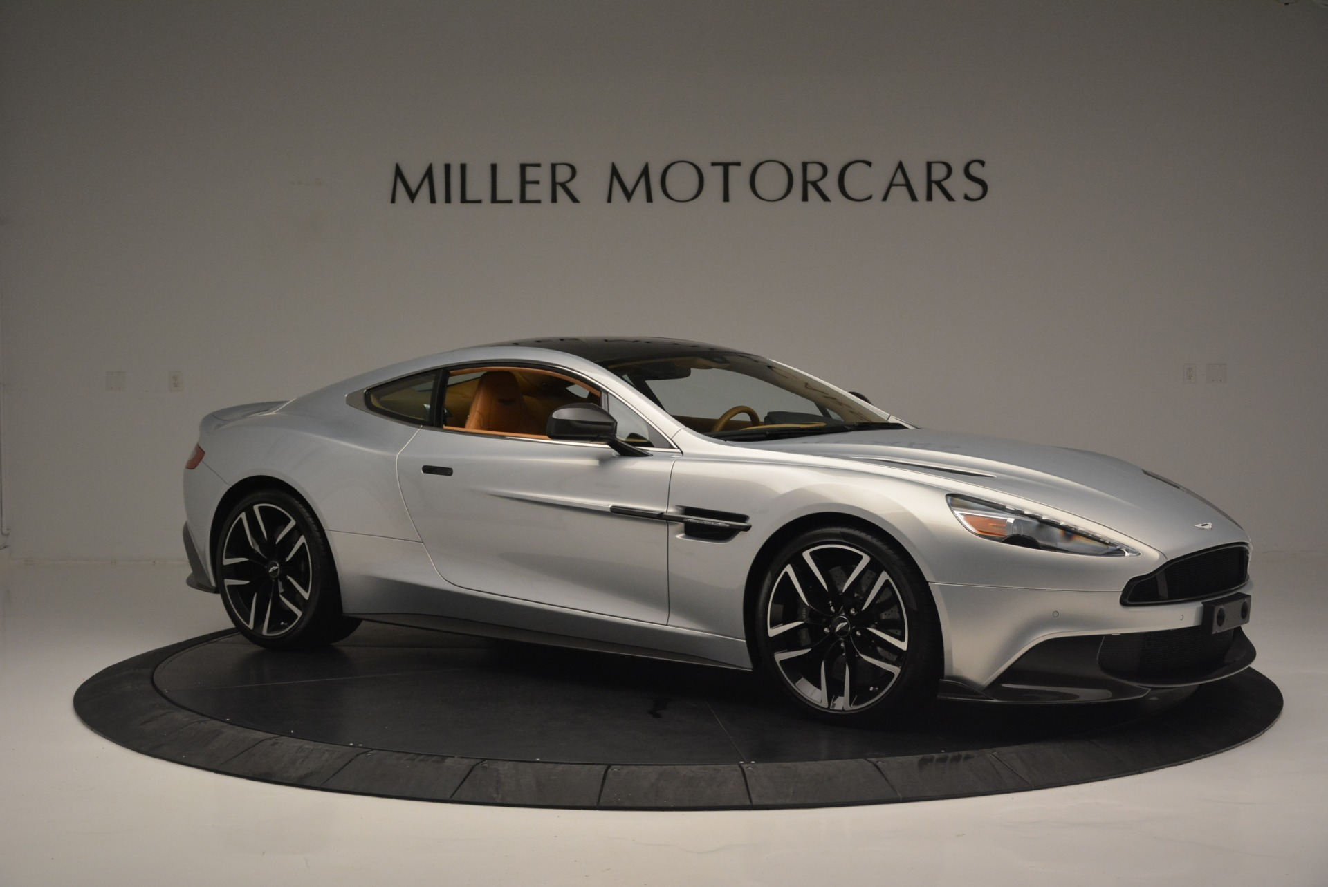 Used 2018 Aston Martin Vanquish S Coupe For Sale In Greenwich, CT. Alfa Romeo of Greenwich, 7397 2421_p10