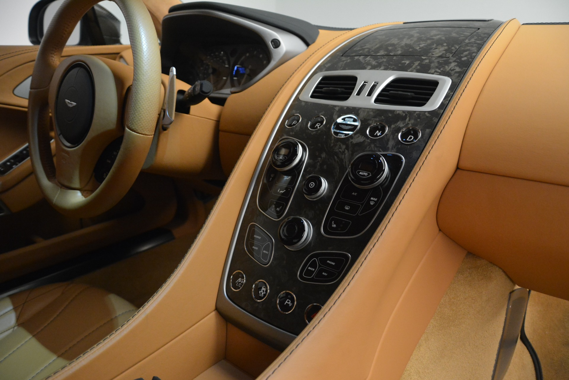 Used 2018 Aston Martin Vanquish S Coupe For Sale In Greenwich, CT. Alfa Romeo of Greenwich, 7397 2421_p19