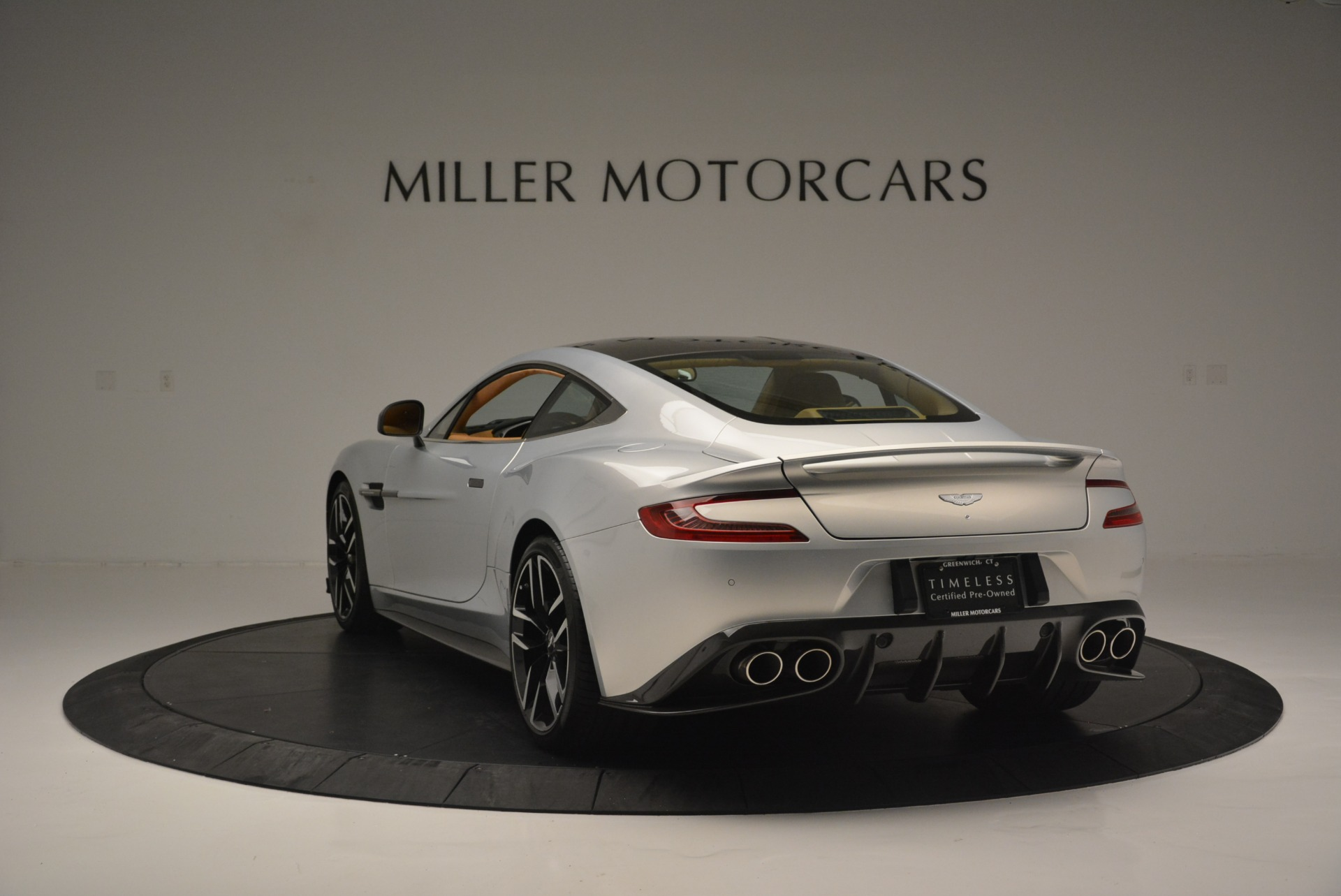 Used 2018 Aston Martin Vanquish S Coupe For Sale In Greenwich, CT. Alfa Romeo of Greenwich, 7397 2421_p5