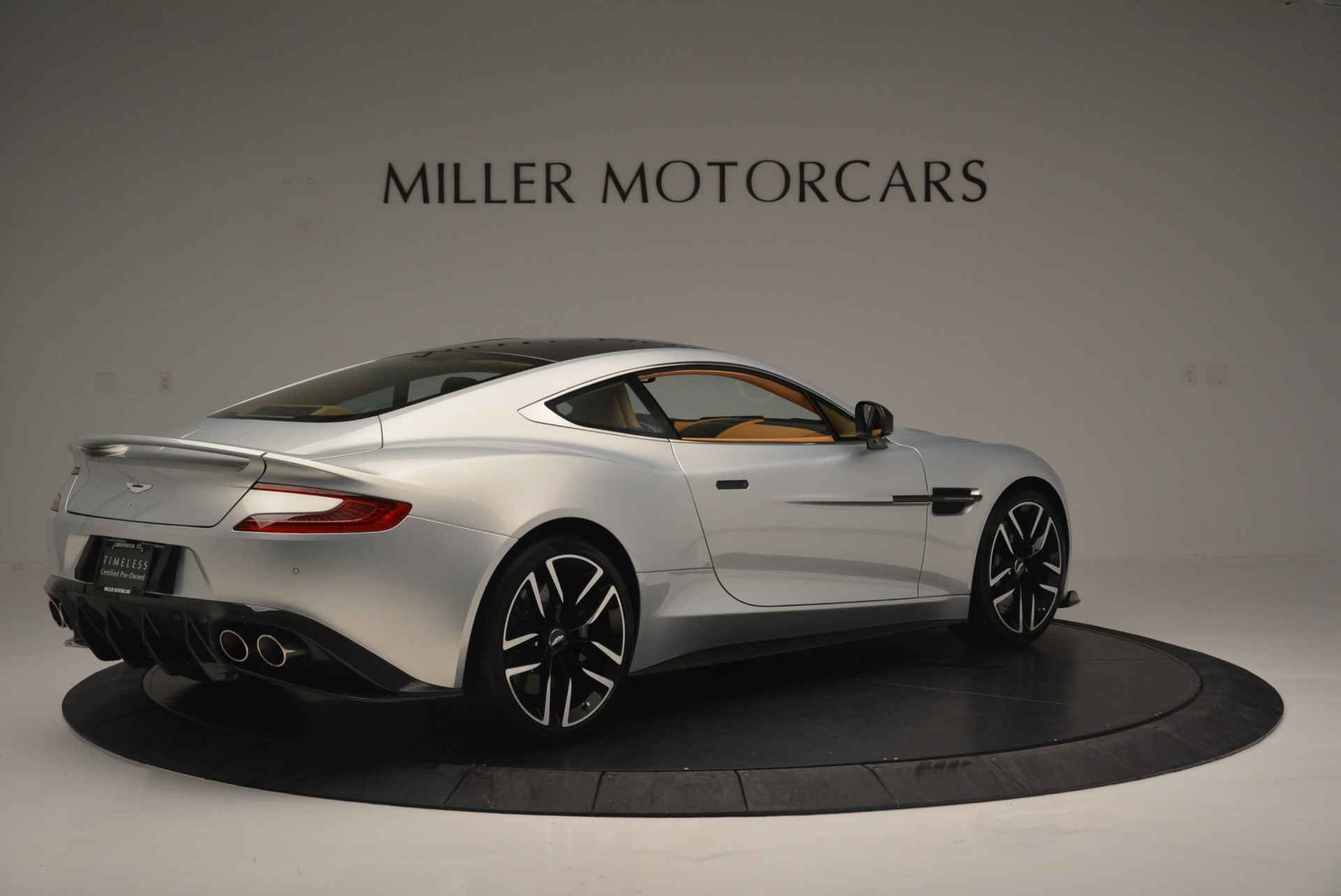 Used 2018 Aston Martin Vanquish S Coupe For Sale In Greenwich, CT. Alfa Romeo of Greenwich, 7397 2421_p8