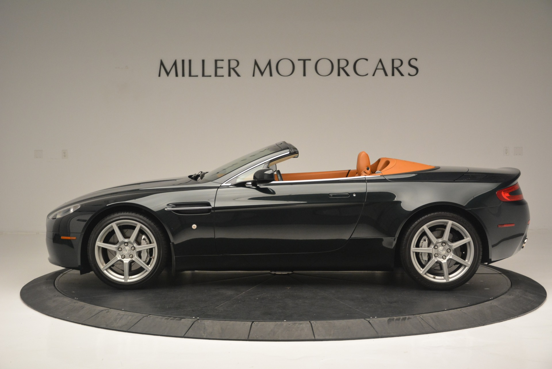 Used 2008 Aston Martin V8 Vantage Roadster For Sale In Greenwich, CT. Alfa Romeo of Greenwich, 7403 2422_p3