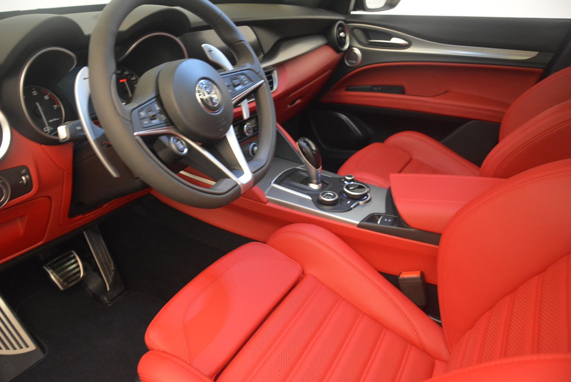 New 2018 Alfa Romeo Stelvio Ti Sport Q4 For Sale In Greenwich, CT. Alfa Romeo of Greenwich, L456 2436_p13
