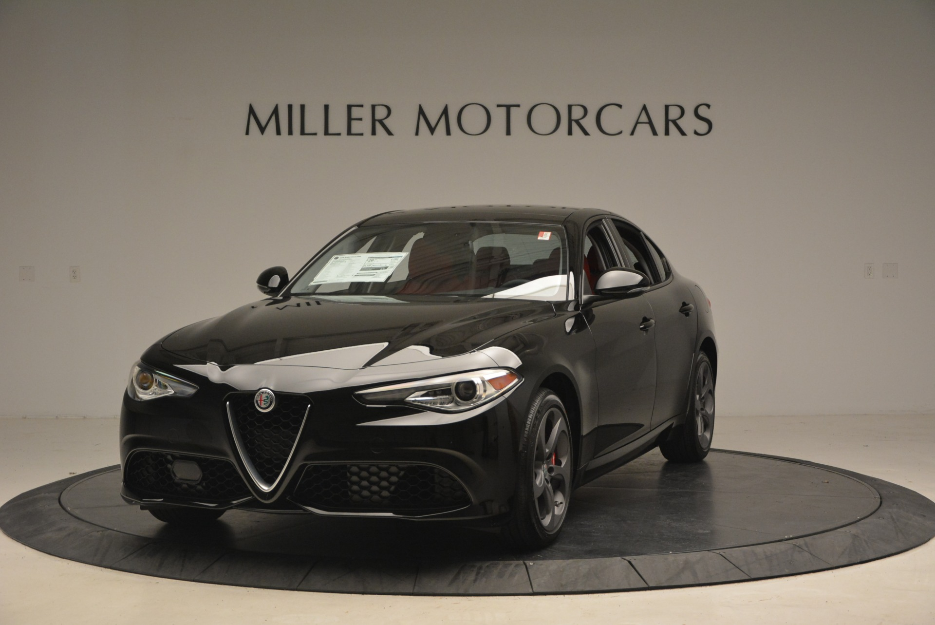 New 2018 Alfa Romeo Giulia Sport Q4 For Sale In Greenwich, CT. Alfa Romeo of Greenwich, L449 2440_main