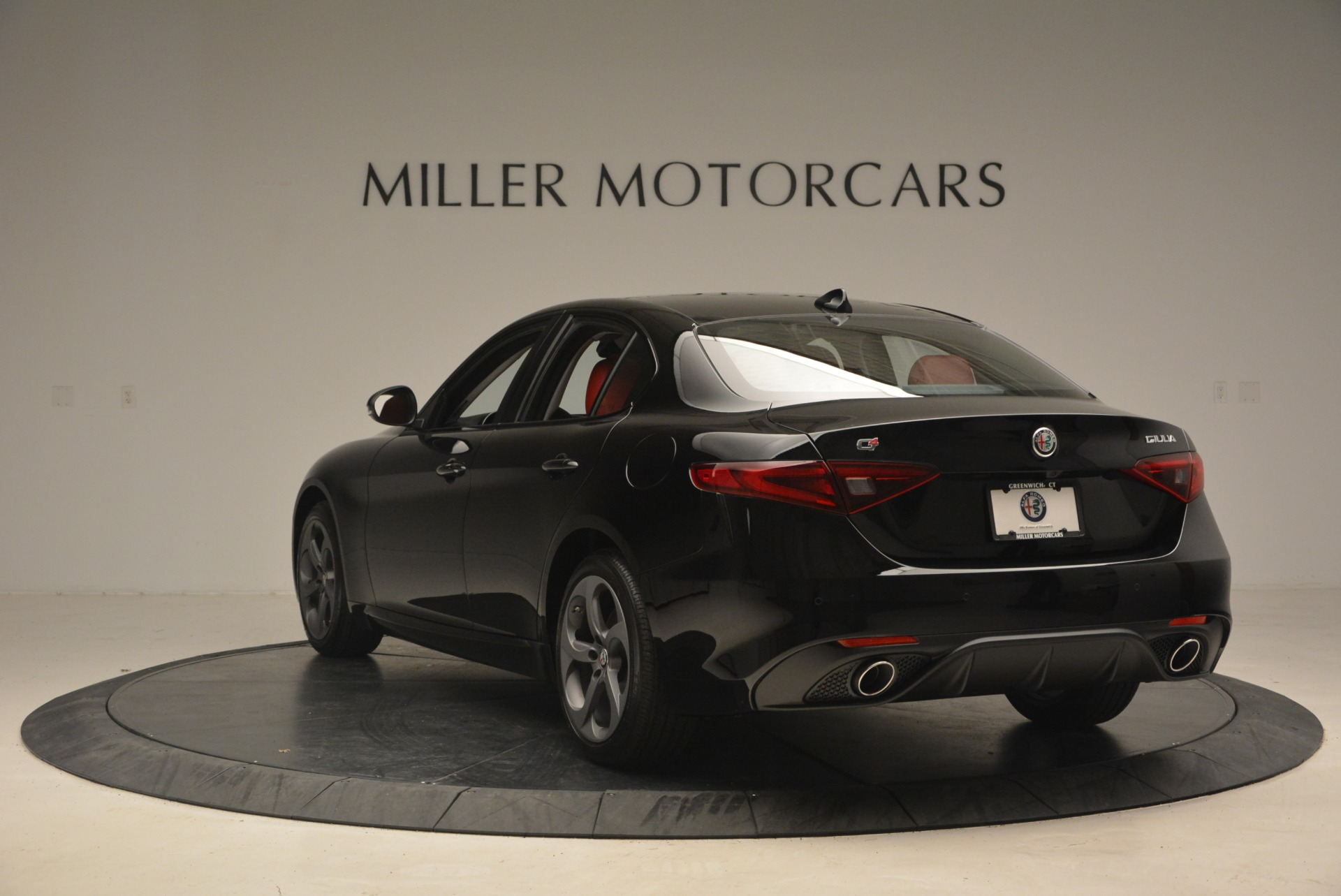 New 2018 Alfa Romeo Giulia Sport Q4 For Sale In Greenwich, CT. Alfa Romeo of Greenwich, L449 2440_p5