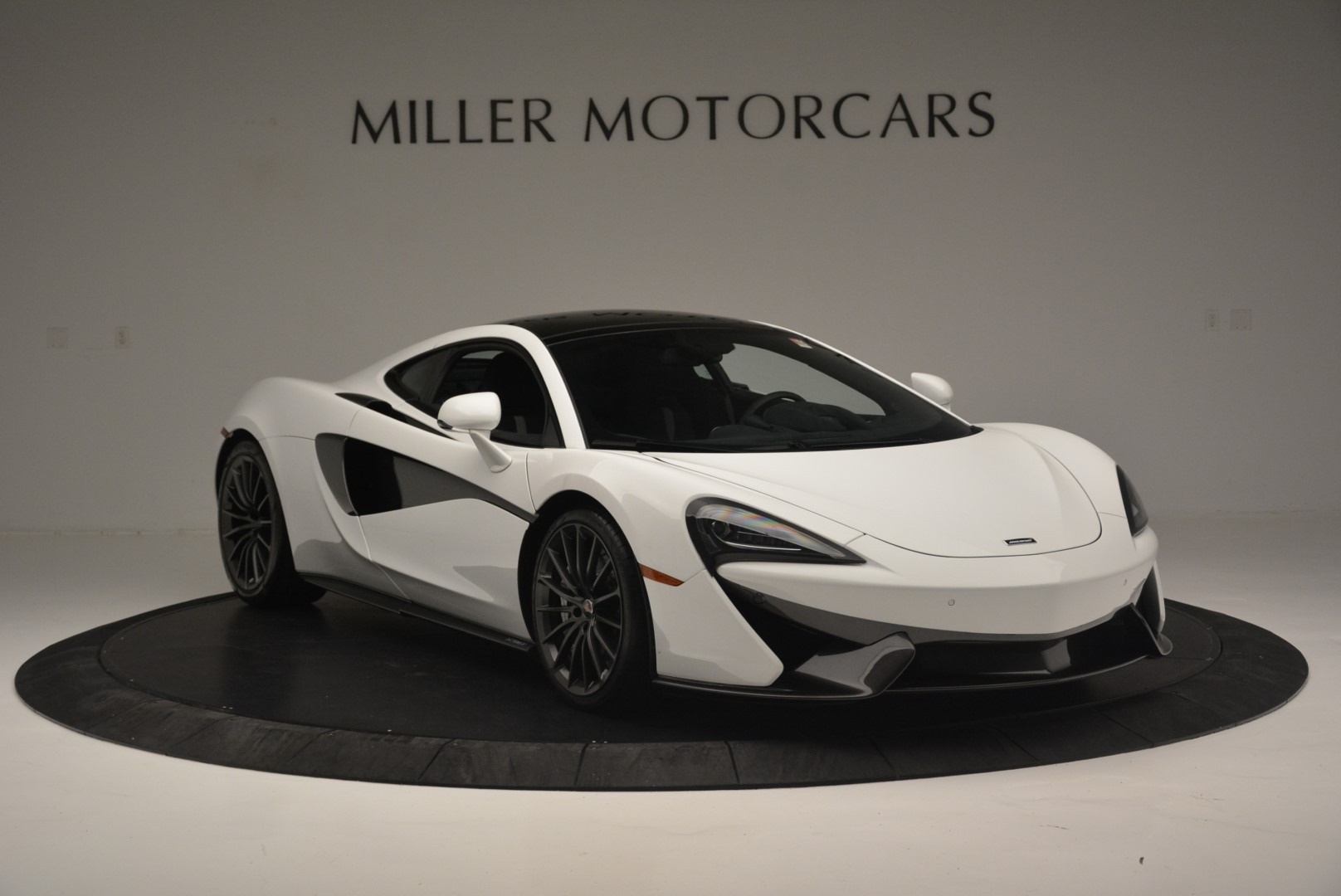 Used 2018 McLaren 570GT  For Sale In Greenwich, CT. Alfa Romeo of Greenwich, MC382 2442_p11
