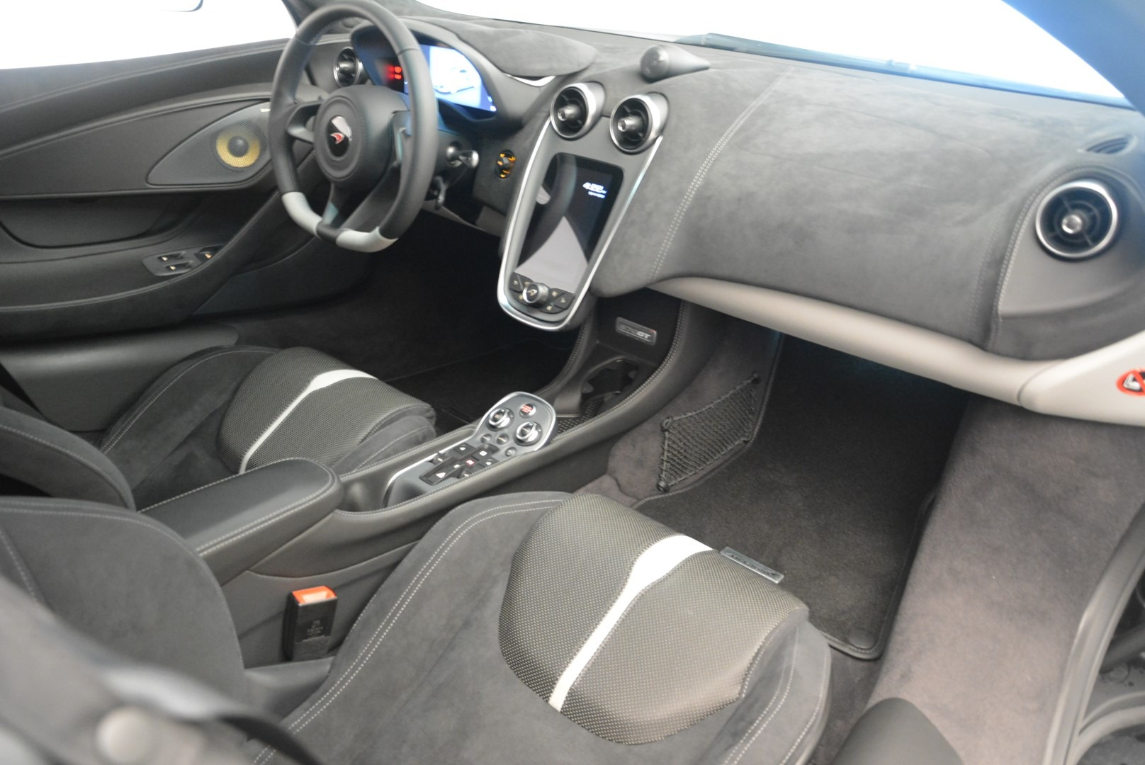 Used 2018 McLaren 570GT  For Sale In Greenwich, CT. Alfa Romeo of Greenwich, MC382 2442_p18