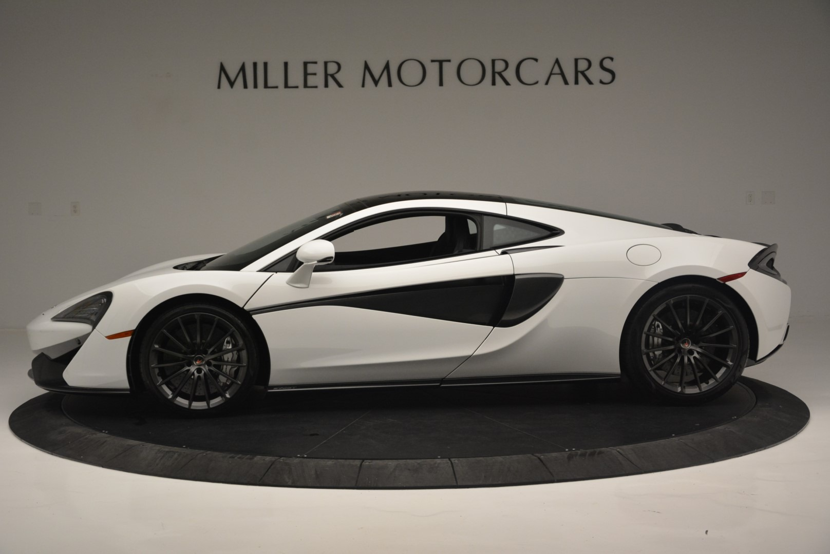 Used 2018 McLaren 570GT  For Sale In Greenwich, CT. Alfa Romeo of Greenwich, MC382 2442_p3