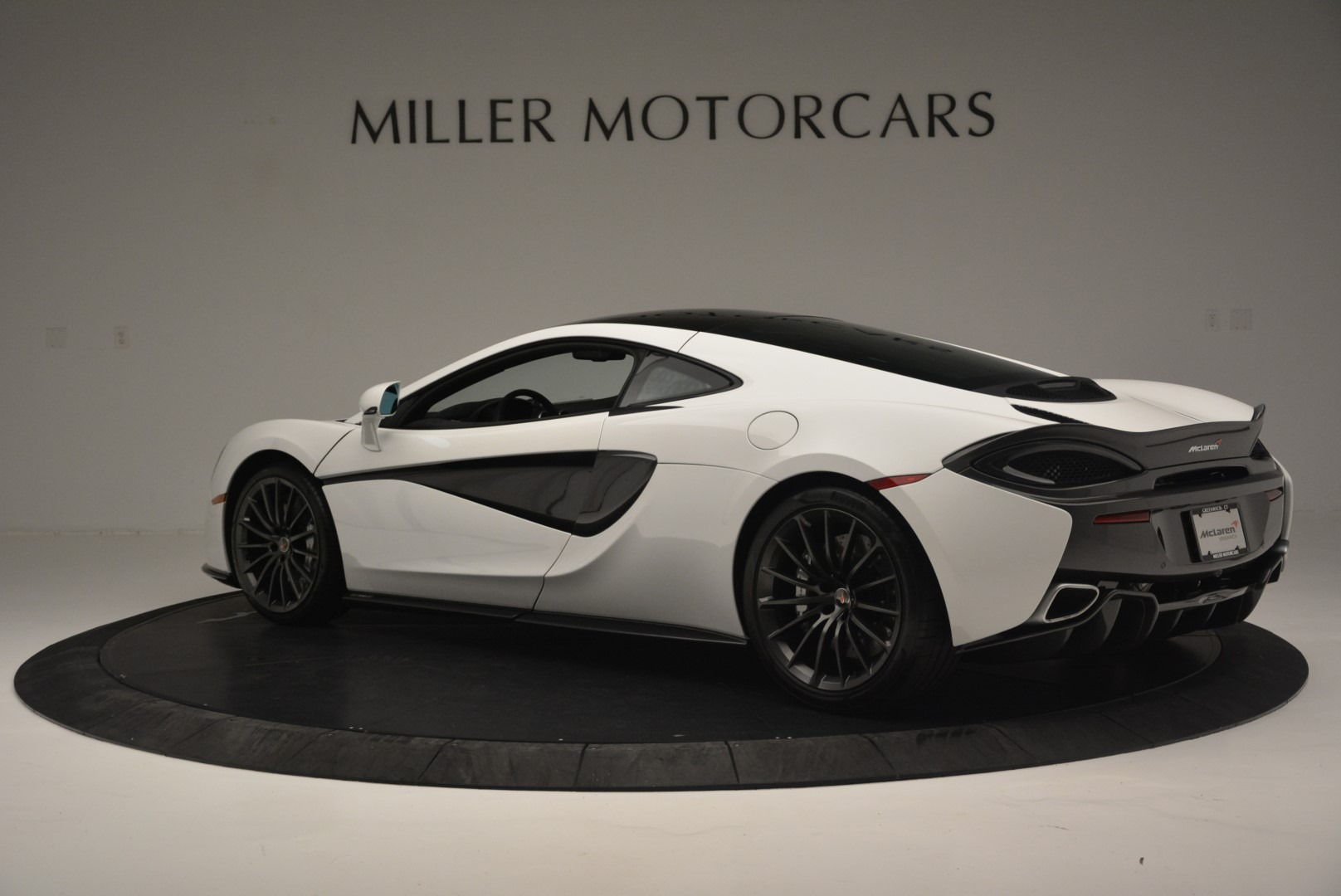 Used 2018 McLaren 570GT  For Sale In Greenwich, CT. Alfa Romeo of Greenwich, MC382 2442_p4