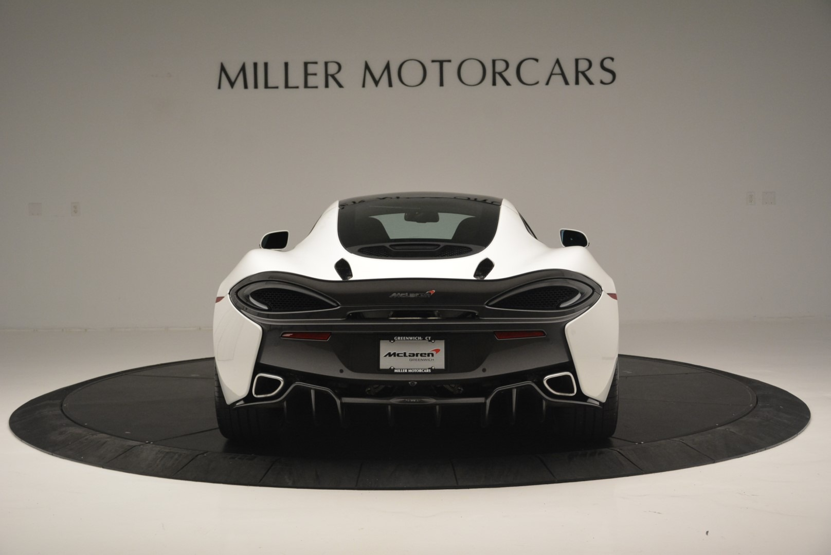 Used 2018 McLaren 570GT  For Sale In Greenwich, CT. Alfa Romeo of Greenwich, MC382 2442_p6
