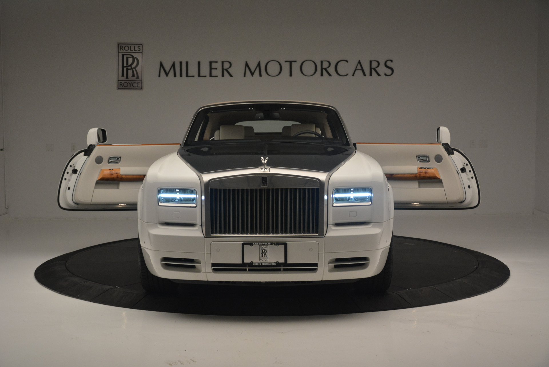 Used 2013 Rolls-Royce Phantom Drophead Coupe  For Sale In Greenwich, CT. Alfa Romeo of Greenwich, R470A 2444_p16
