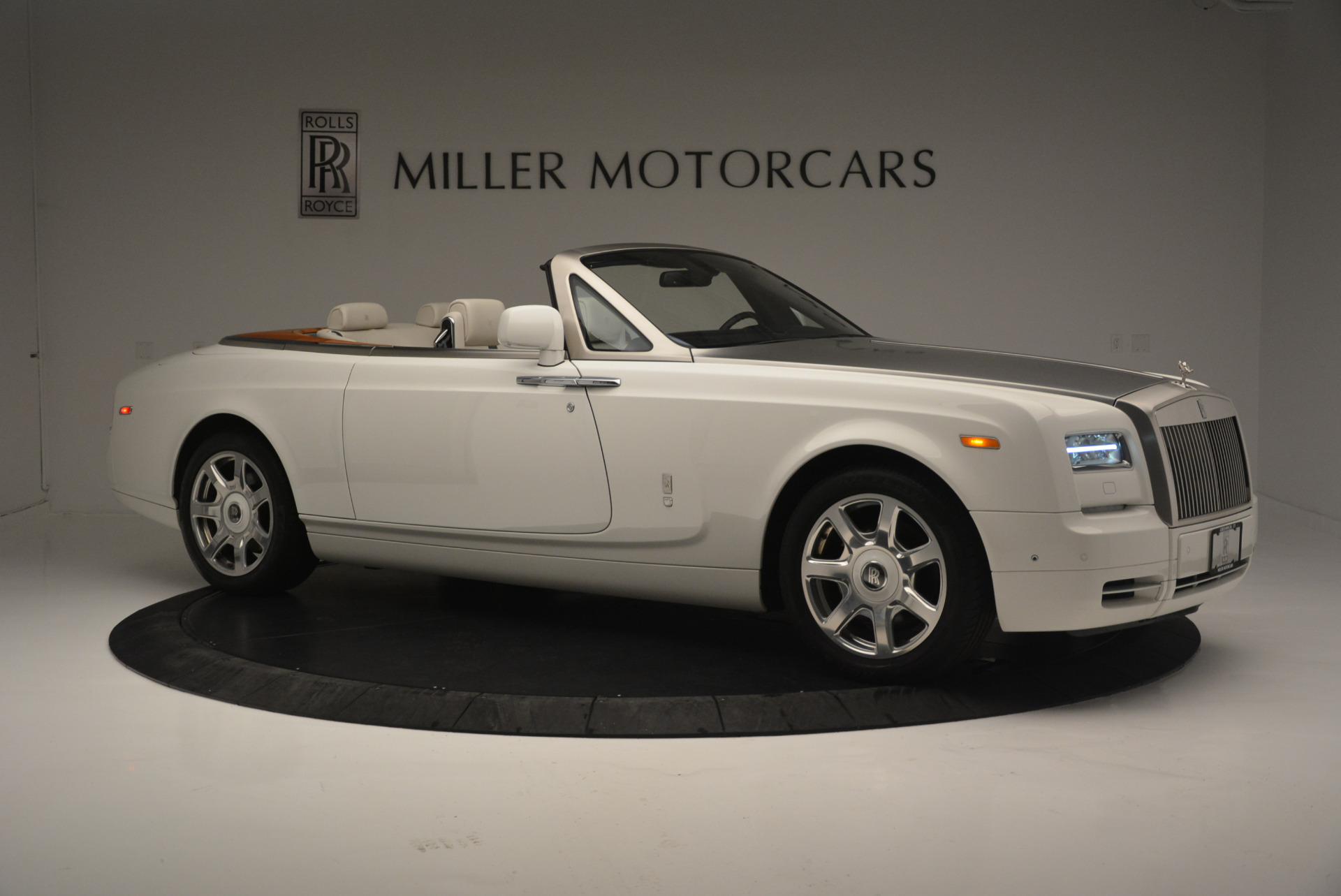 Used 2013 Rolls-Royce Phantom Drophead Coupe  For Sale In Greenwich, CT. Alfa Romeo of Greenwich, R470A 2444_p7