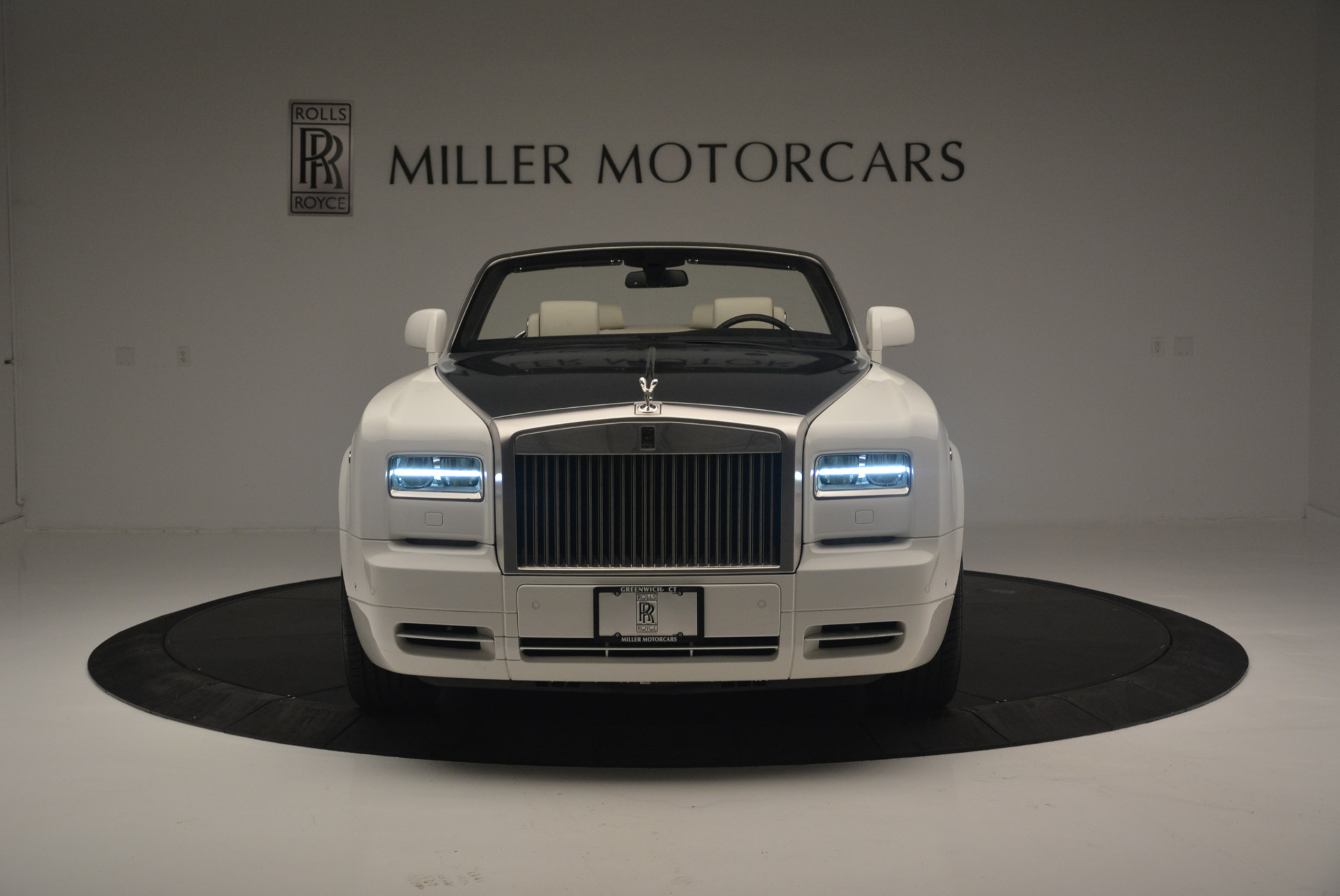 Used 2013 Rolls-Royce Phantom Drophead Coupe  For Sale In Greenwich, CT. Alfa Romeo of Greenwich, R470A 2444_p8