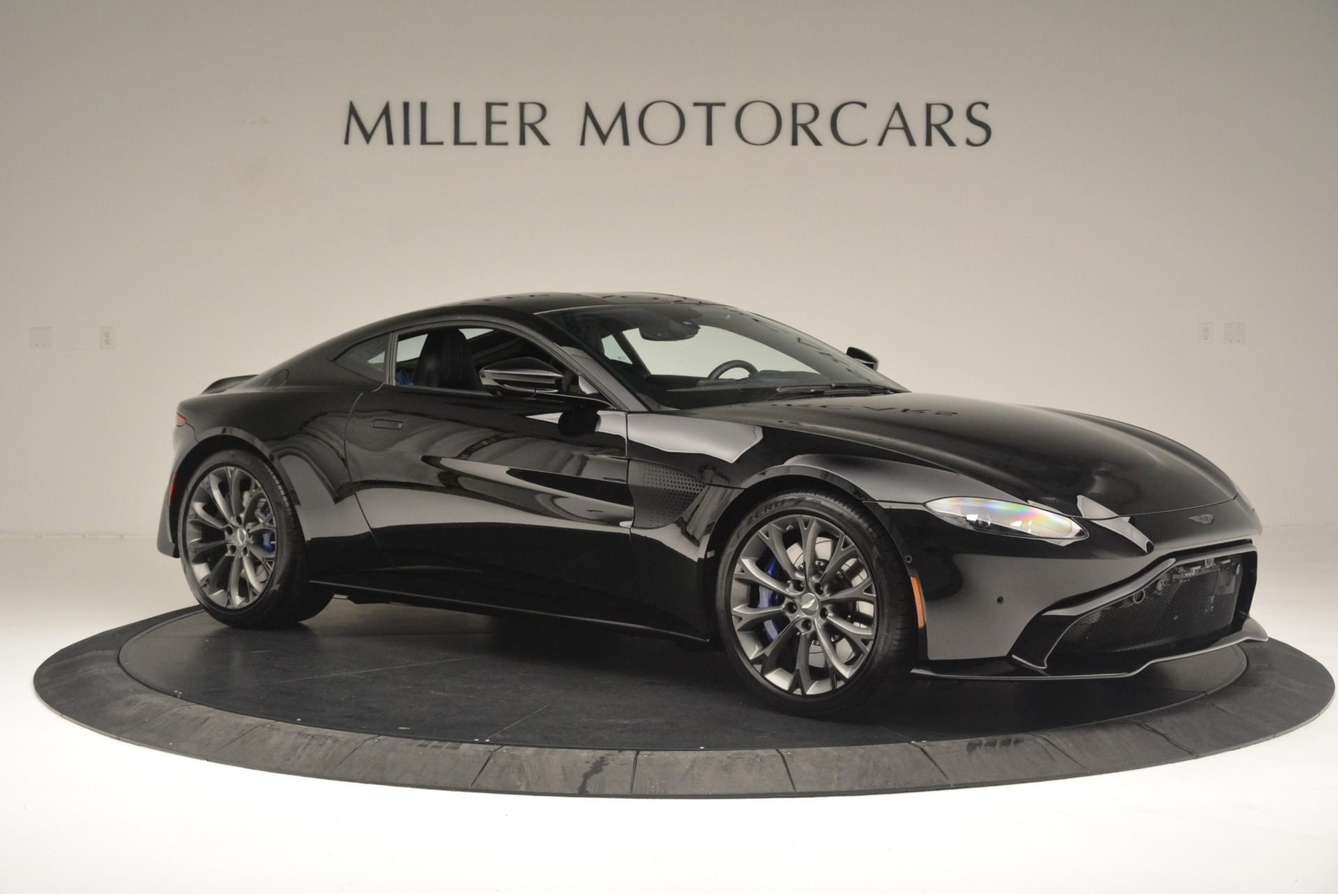 Used 2019 Aston Martin Vantage Coupe For Sale In Greenwich, CT. Alfa Romeo of Greenwich, A1305B 2445_p10