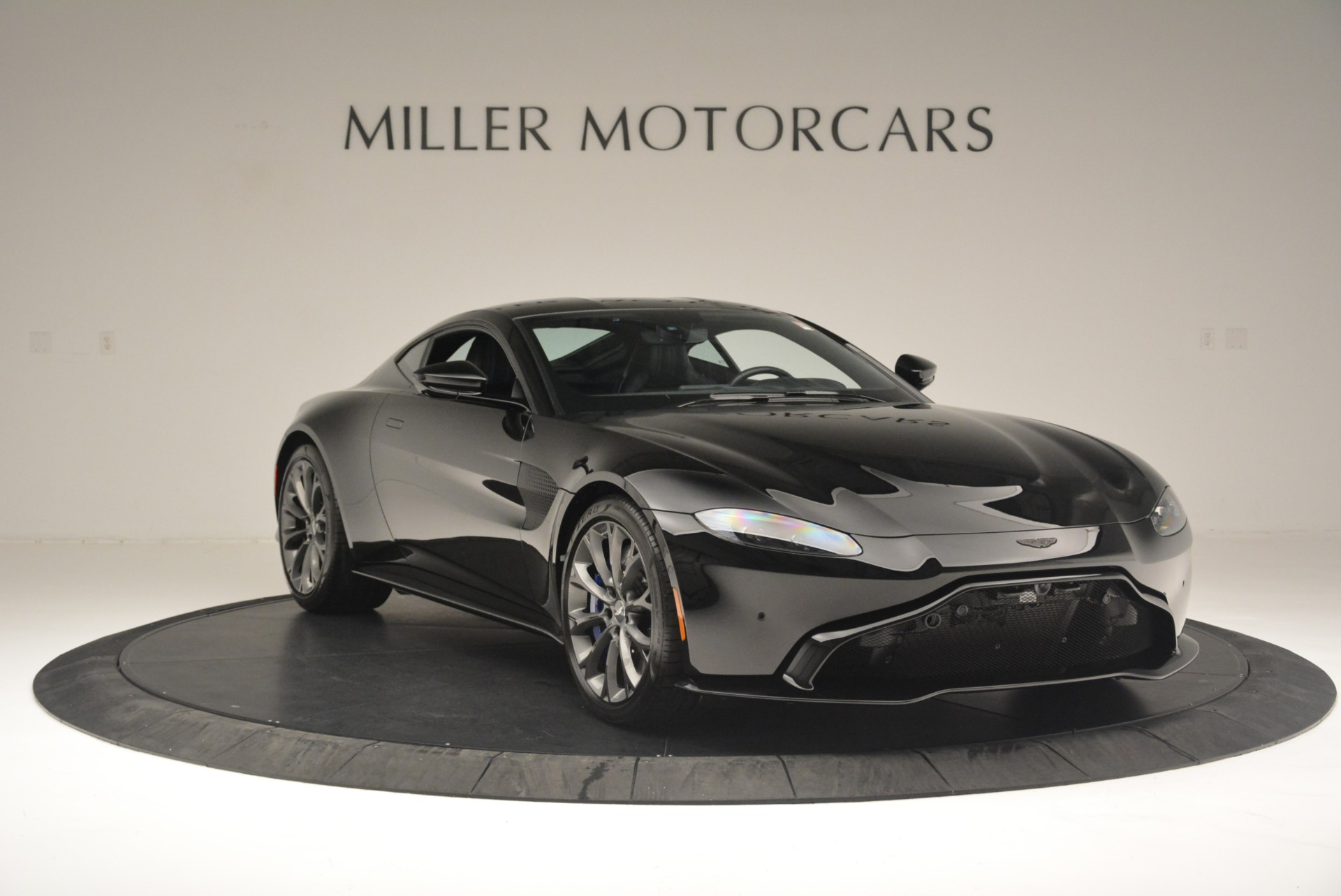 Used 2019 Aston Martin Vantage Coupe For Sale In Greenwich, CT. Alfa Romeo of Greenwich, A1305B 2445_p11