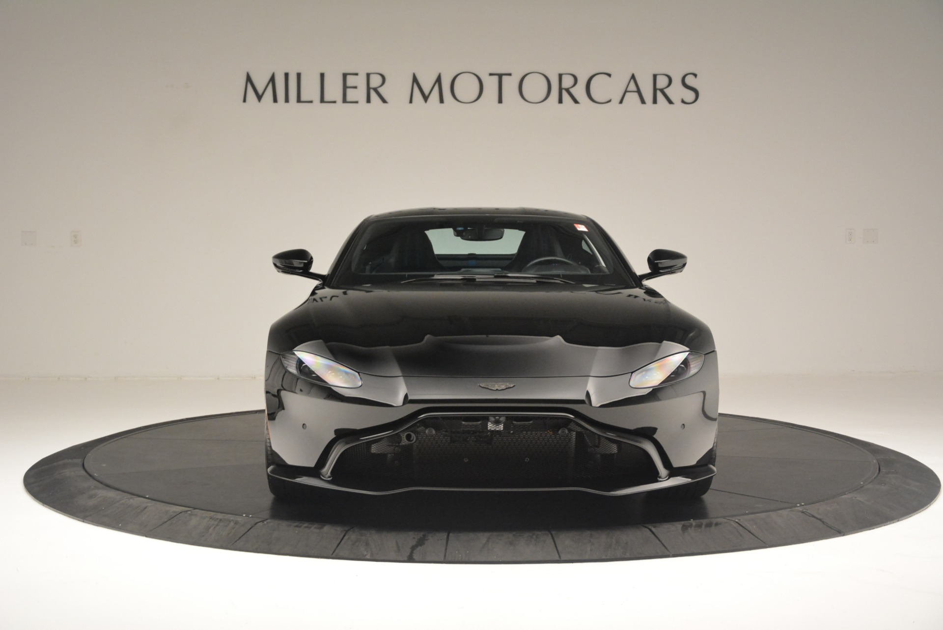 Used 2019 Aston Martin Vantage Coupe For Sale In Greenwich, CT. Alfa Romeo of Greenwich, A1305B 2445_p12