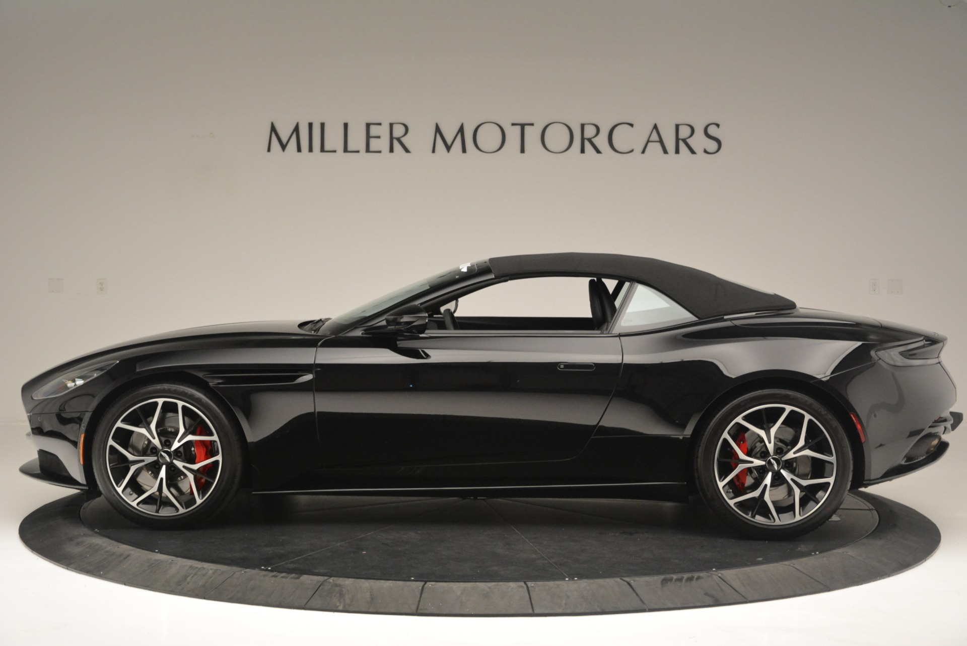 New 2019 Aston Martin DB11 V8 Convertible For Sale In Greenwich, CT. Alfa Romeo of Greenwich, A1308 2446_p15
