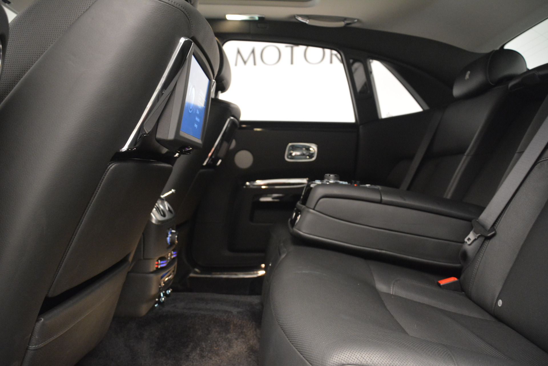 Used 2012 Rolls-Royce Ghost  For Sale In Greenwich, CT. Alfa Romeo of Greenwich, 7412 2447_p19