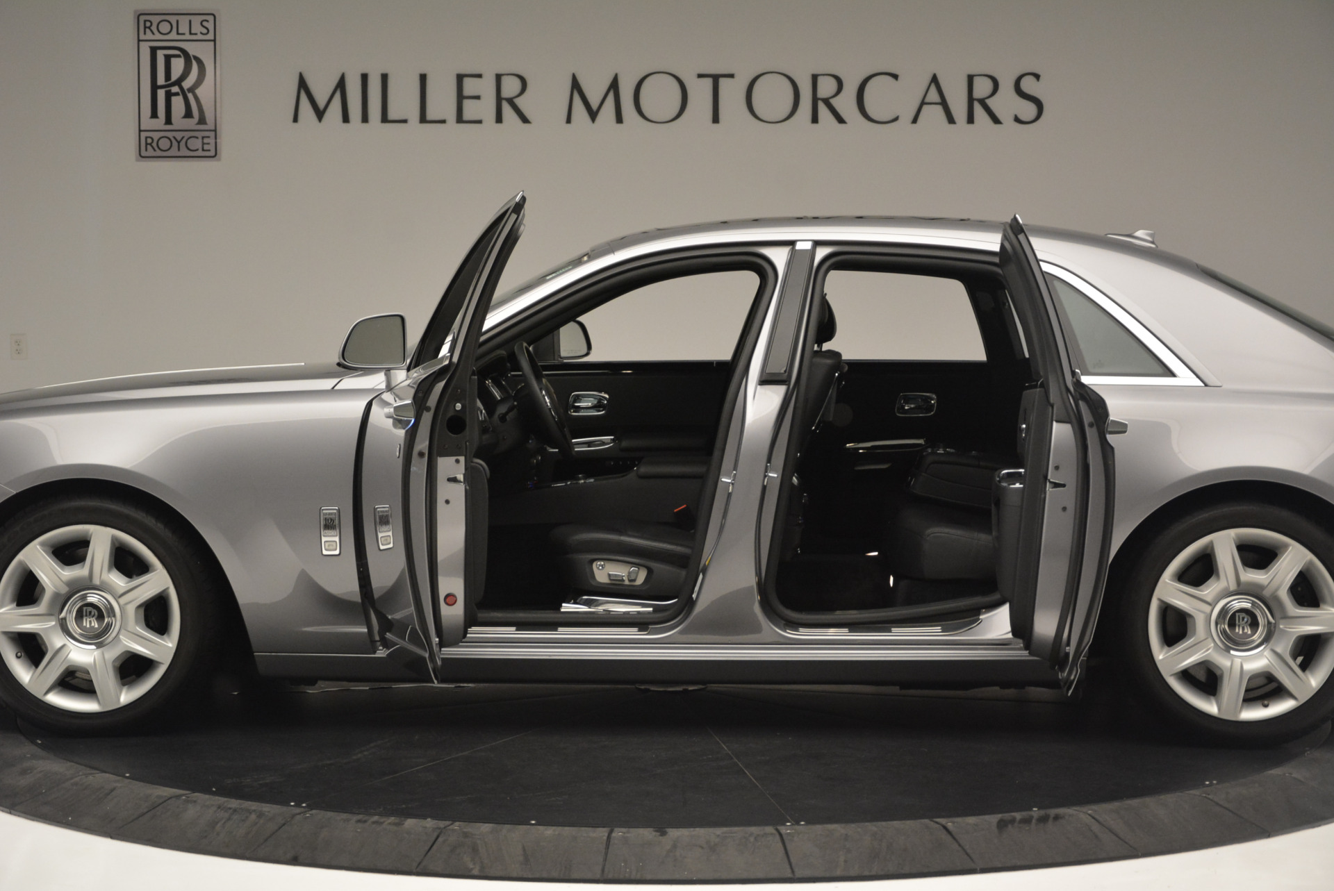 Used 2012 Rolls-Royce Ghost  For Sale In Greenwich, CT. Alfa Romeo of Greenwich, 7412 2447_p3