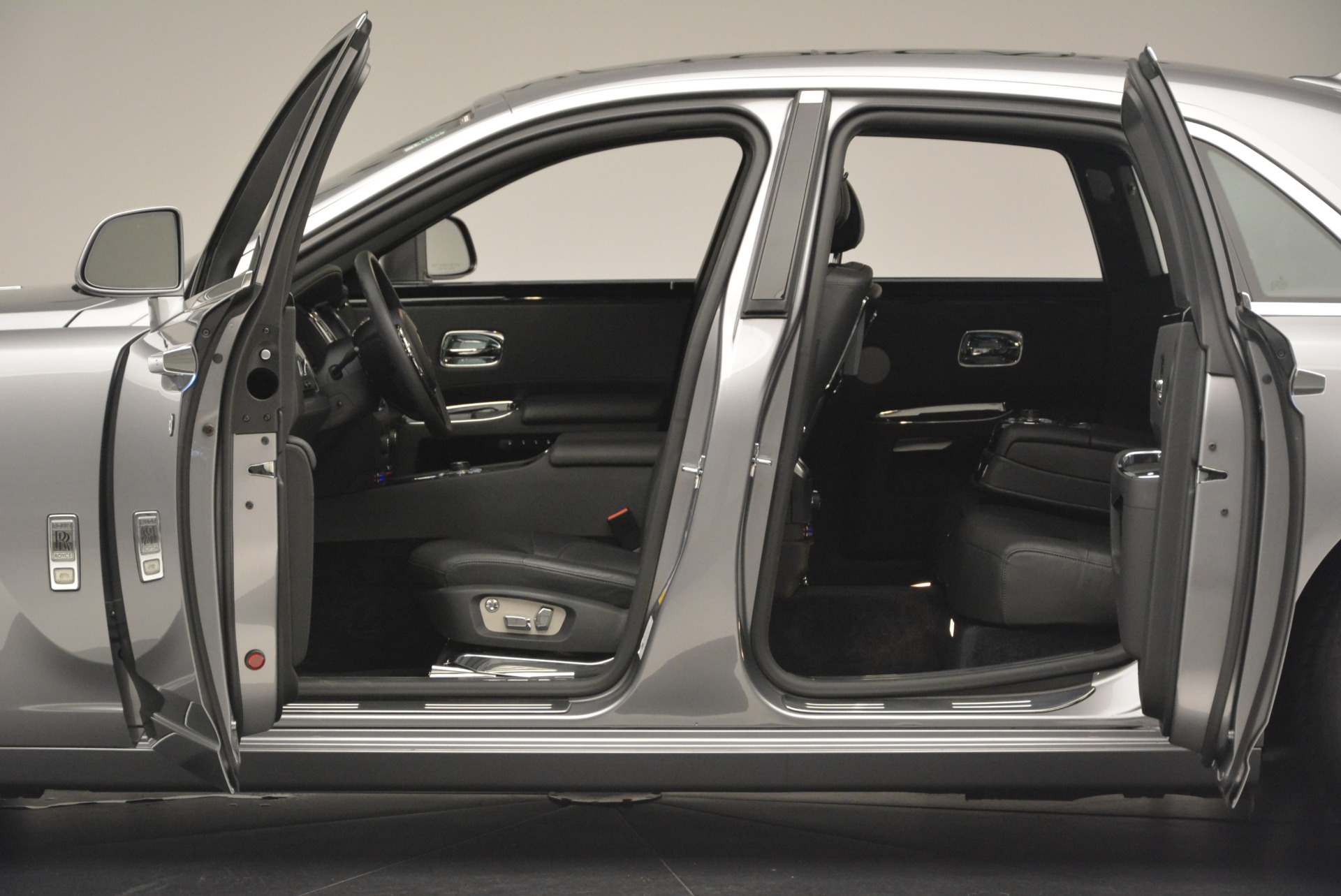 Used 2012 Rolls-Royce Ghost  For Sale In Greenwich, CT. Alfa Romeo of Greenwich, 7412 2447_p4