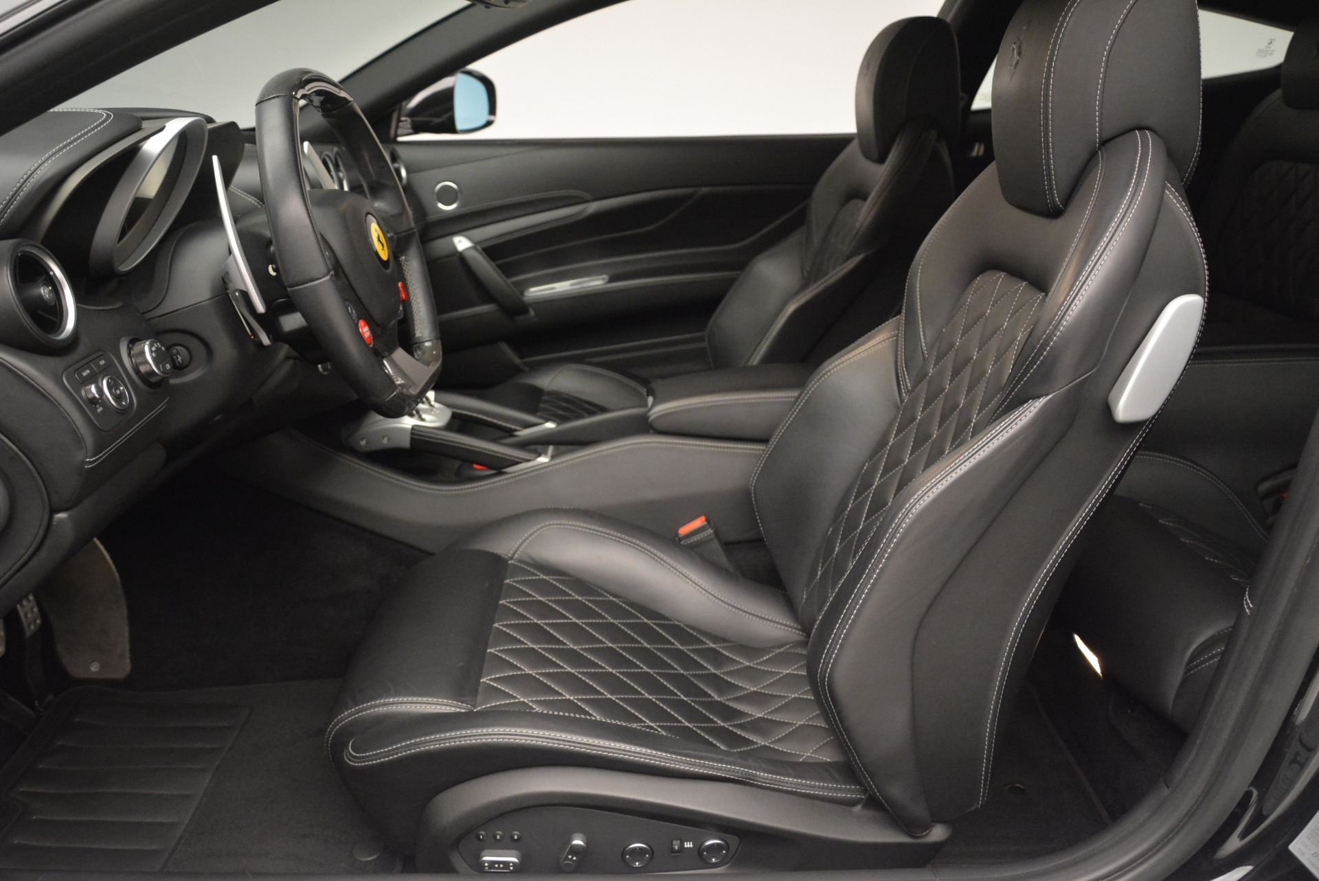 Used 2012 Ferrari FF  For Sale In Greenwich, CT. Alfa Romeo of Greenwich, 4491A 2448_p14