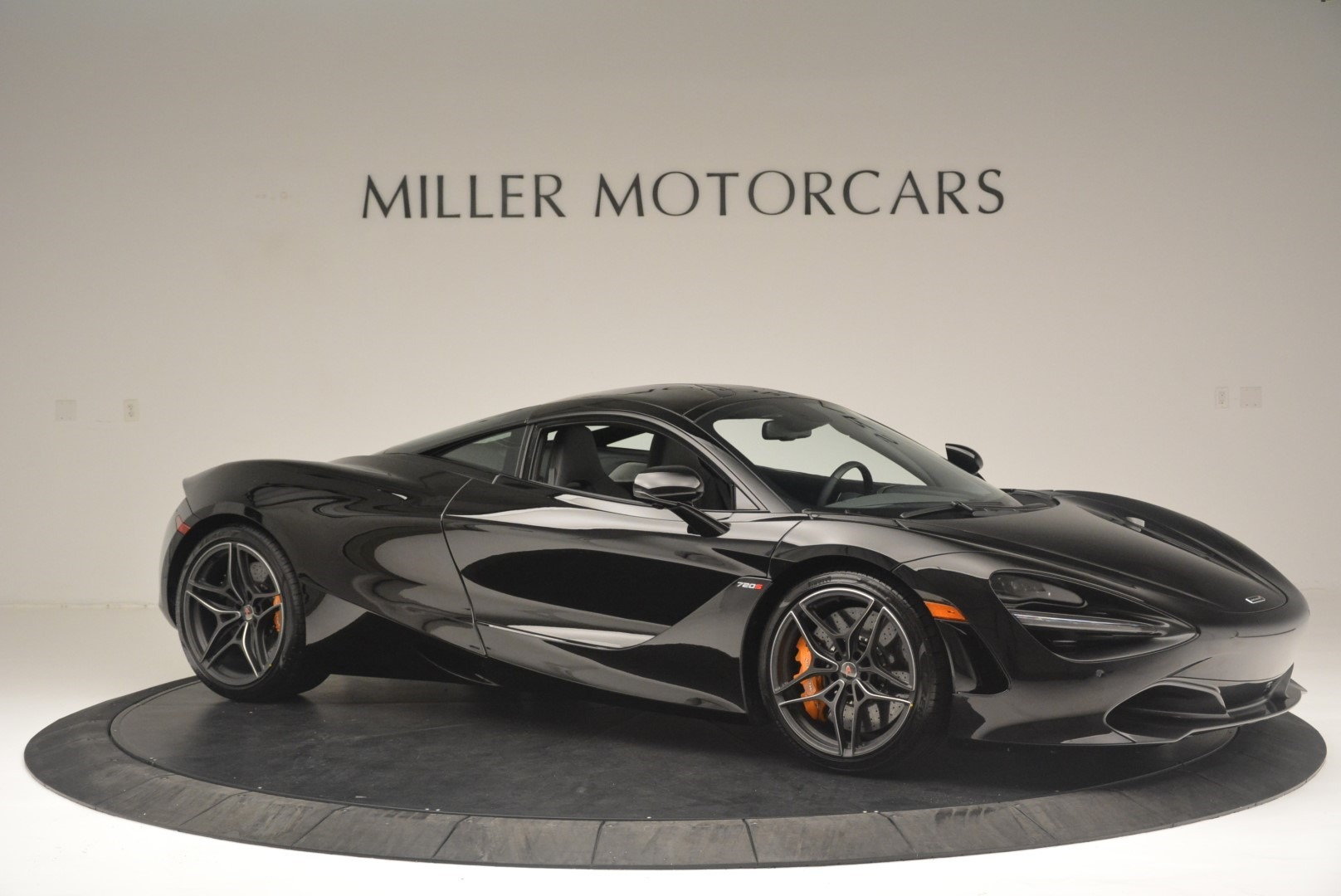 Used 2018 McLaren 720S Coupe For Sale In Greenwich, CT. Alfa Romeo of Greenwich, MC372 2449_p10