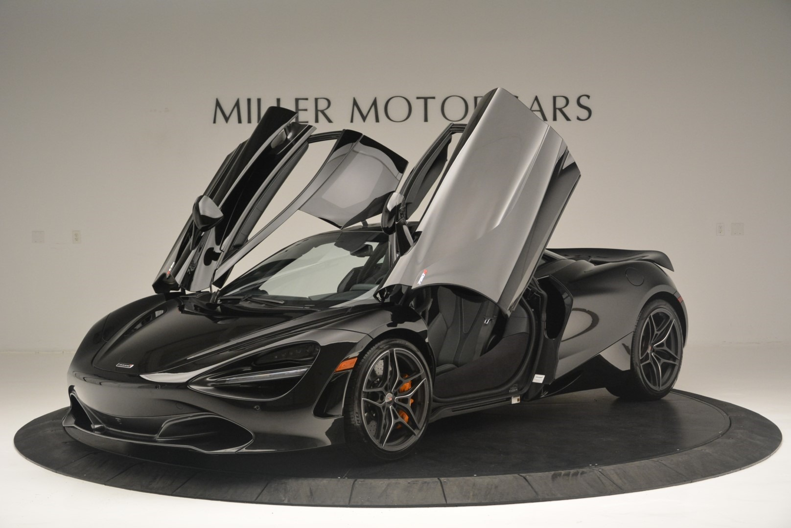 Used 2018 McLaren 720S Coupe For Sale In Greenwich, CT. Alfa Romeo of Greenwich, MC372 2449_p14