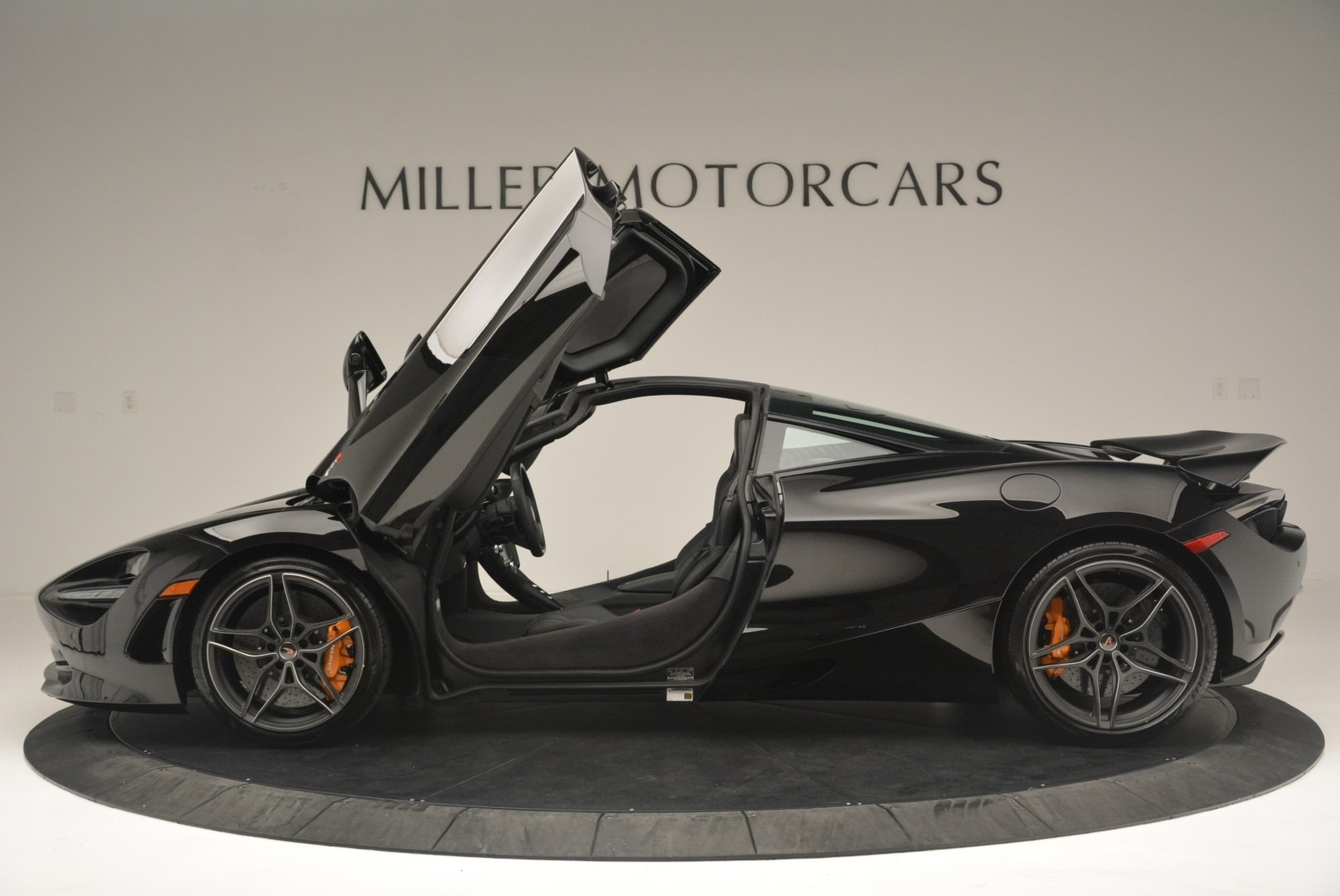 Used 2018 McLaren 720S Coupe For Sale In Greenwich, CT. Alfa Romeo of Greenwich, MC372 2449_p15
