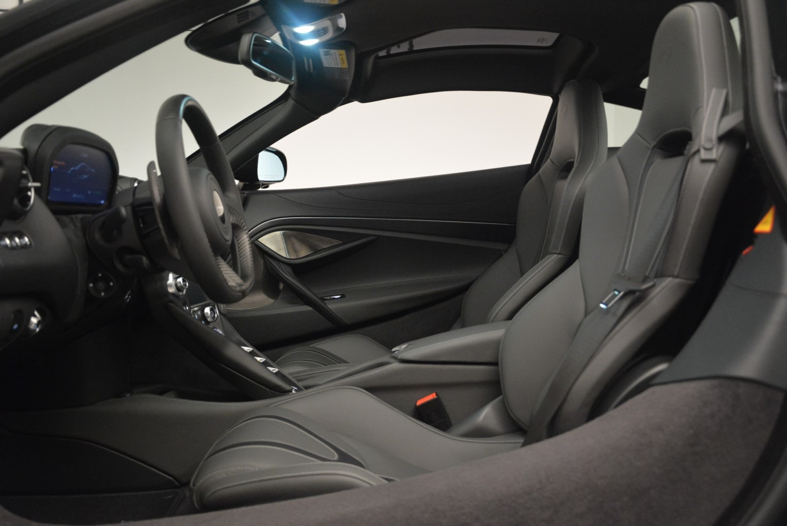 Used 2018 McLaren 720S Coupe For Sale In Greenwich, CT. Alfa Romeo of Greenwich, MC372 2449_p17