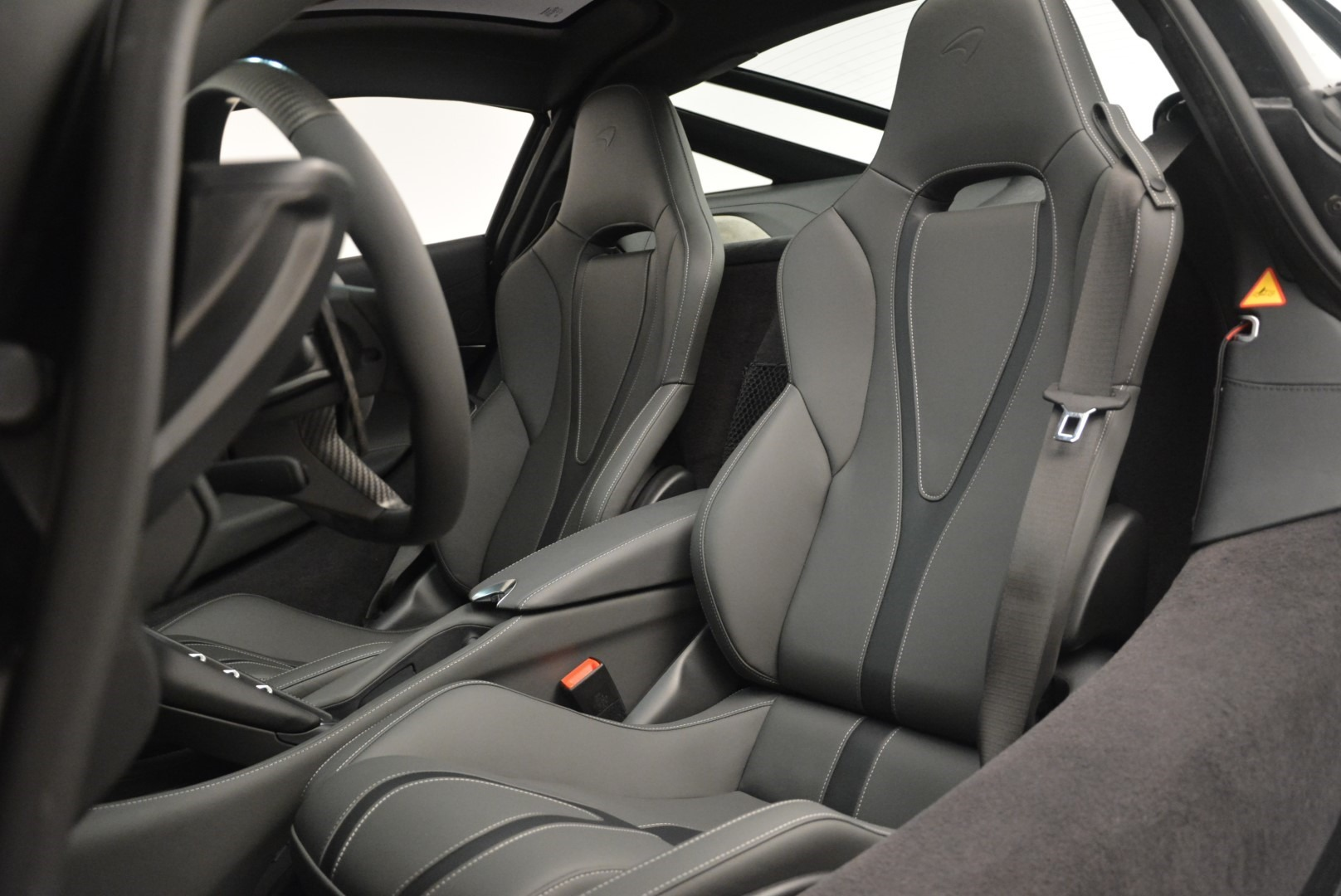 Used 2018 McLaren 720S Coupe For Sale In Greenwich, CT. Alfa Romeo of Greenwich, MC372 2449_p18