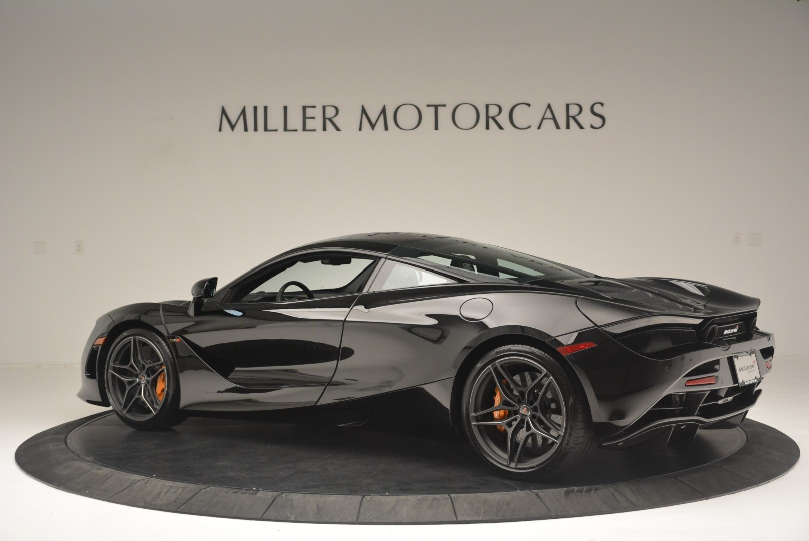 Used 2018 McLaren 720S Coupe For Sale In Greenwich, CT. Alfa Romeo of Greenwich, MC372 2449_p4