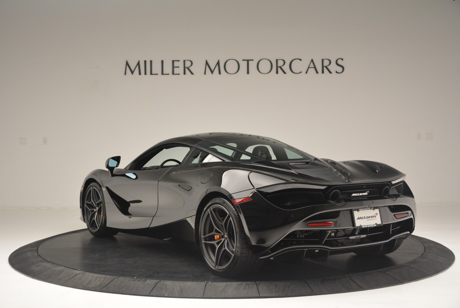 Used 2018 McLaren 720S Coupe For Sale In Greenwich, CT. Alfa Romeo of Greenwich, MC372 2449_p5