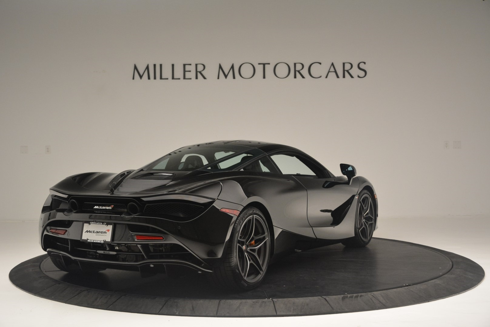 Used 2018 McLaren 720S Coupe For Sale In Greenwich, CT. Alfa Romeo of Greenwich, MC372 2449_p7