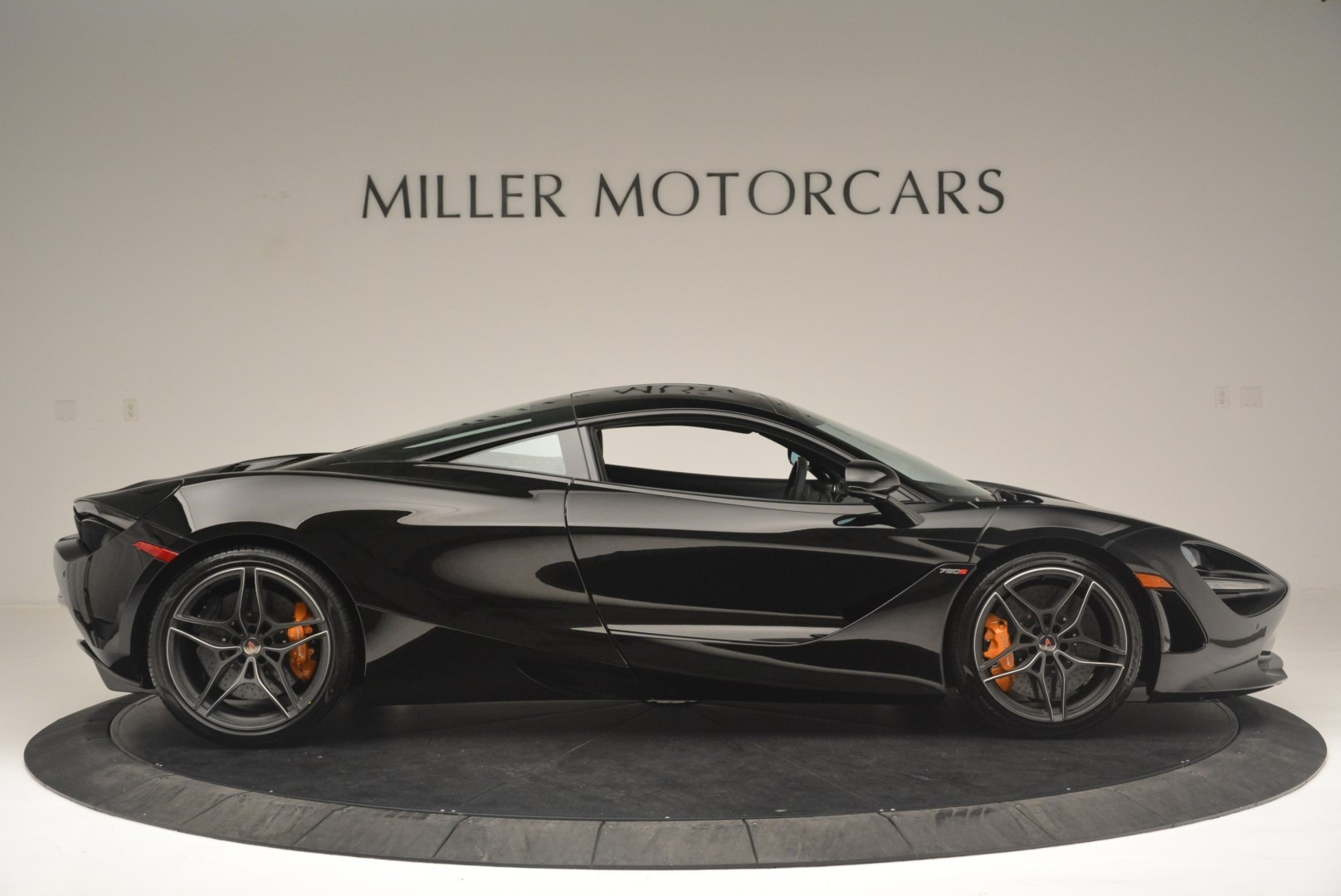 Used 2018 McLaren 720S Coupe For Sale In Greenwich, CT. Alfa Romeo of Greenwich, MC372 2449_p9