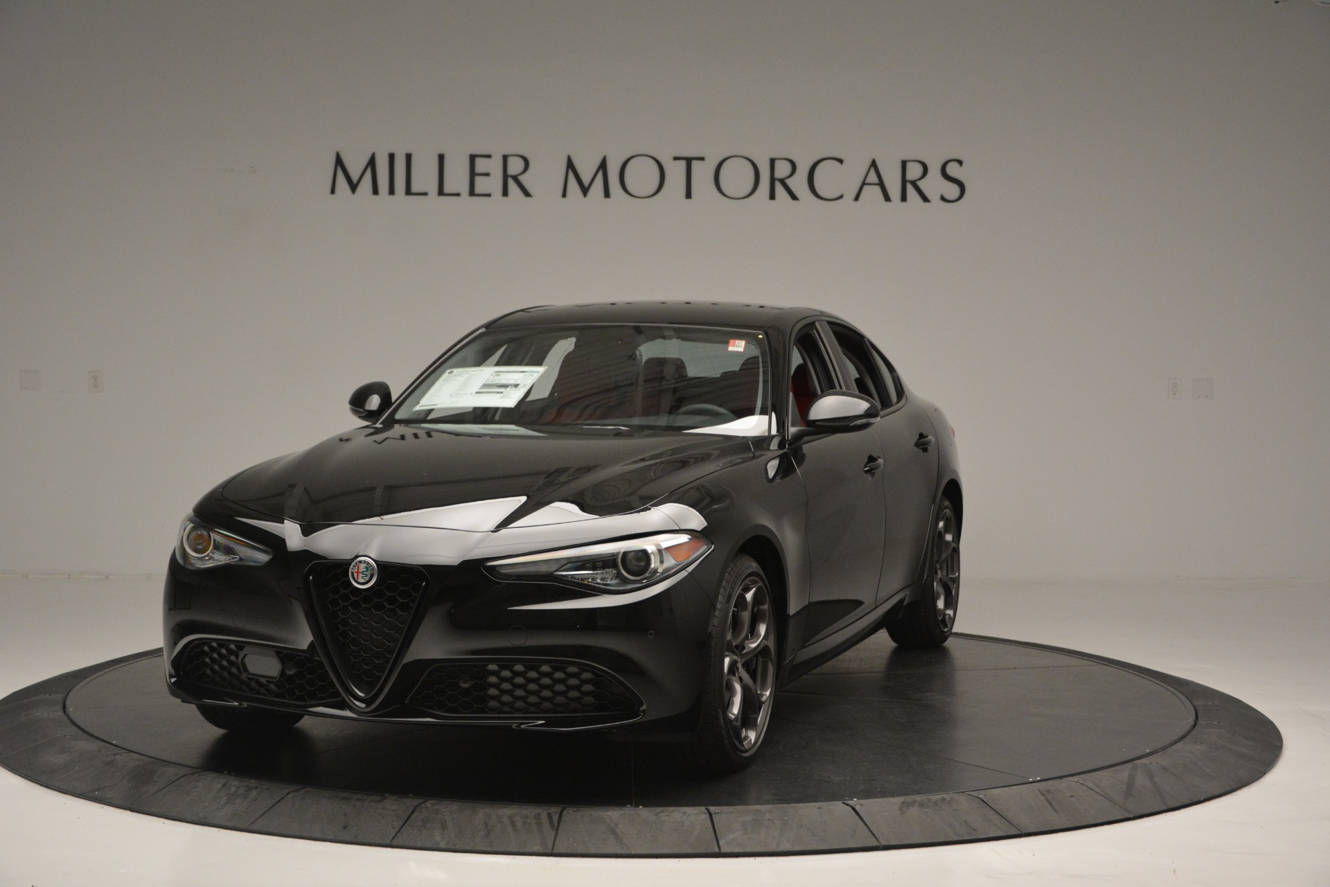 New 2018 Alfa Romeo Giulia Q4 For Sale In Greenwich, CT. Alfa Romeo of Greenwich, LW221