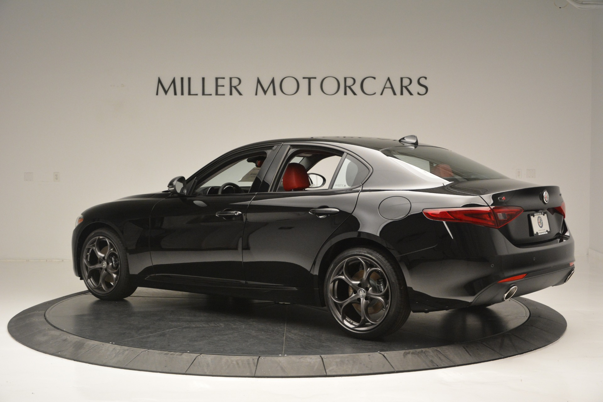 New 2018 Alfa Romeo Giulia Q4 For Sale In Greenwich, CT. Alfa Romeo of Greenwich, LW221 2455_p4