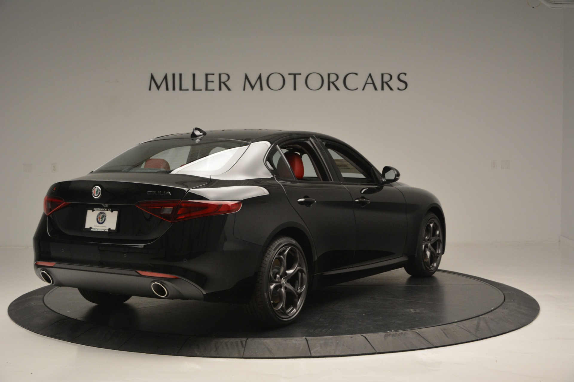New 2018 Alfa Romeo Giulia Q4 For Sale In Greenwich, CT. Alfa Romeo of Greenwich, LW221 2455_p6