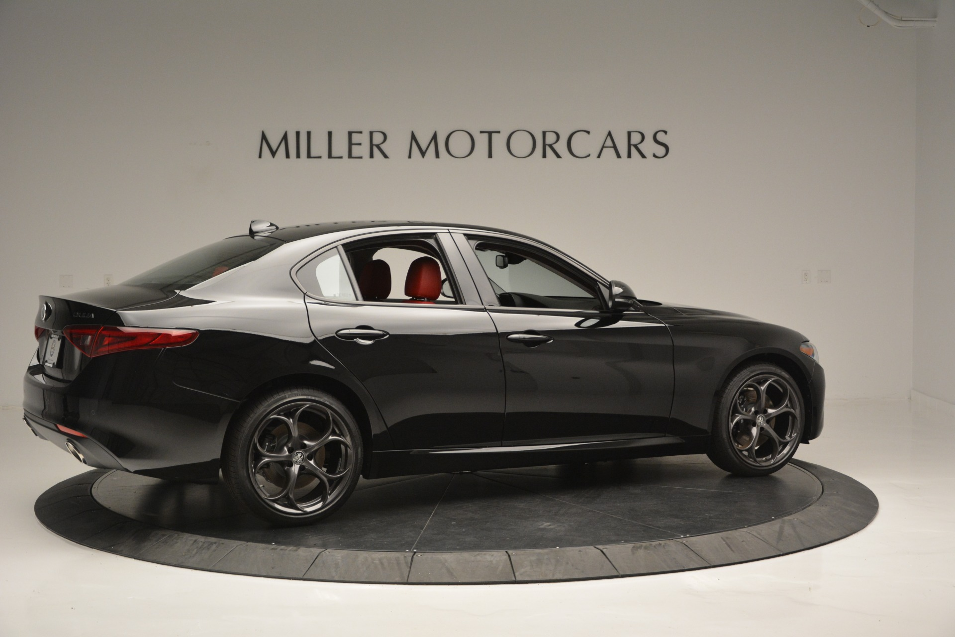 New 2018 Alfa Romeo Giulia Q4 For Sale In Greenwich, CT. Alfa Romeo of Greenwich, LW221 2455_p7