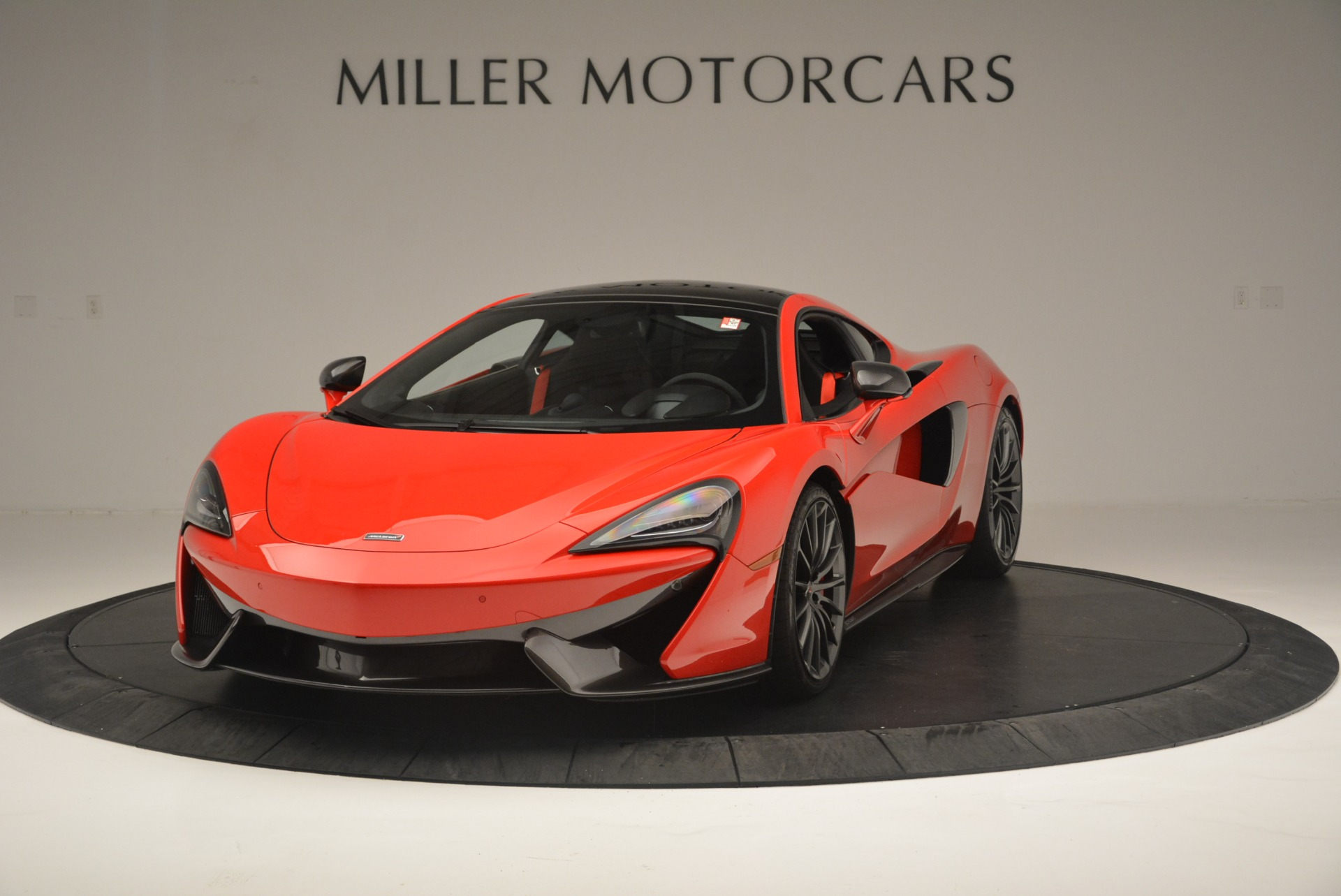 Used 2018 McLaren 570GT  For Sale In Greenwich, CT. Alfa Romeo of Greenwich, MC384 2462_main