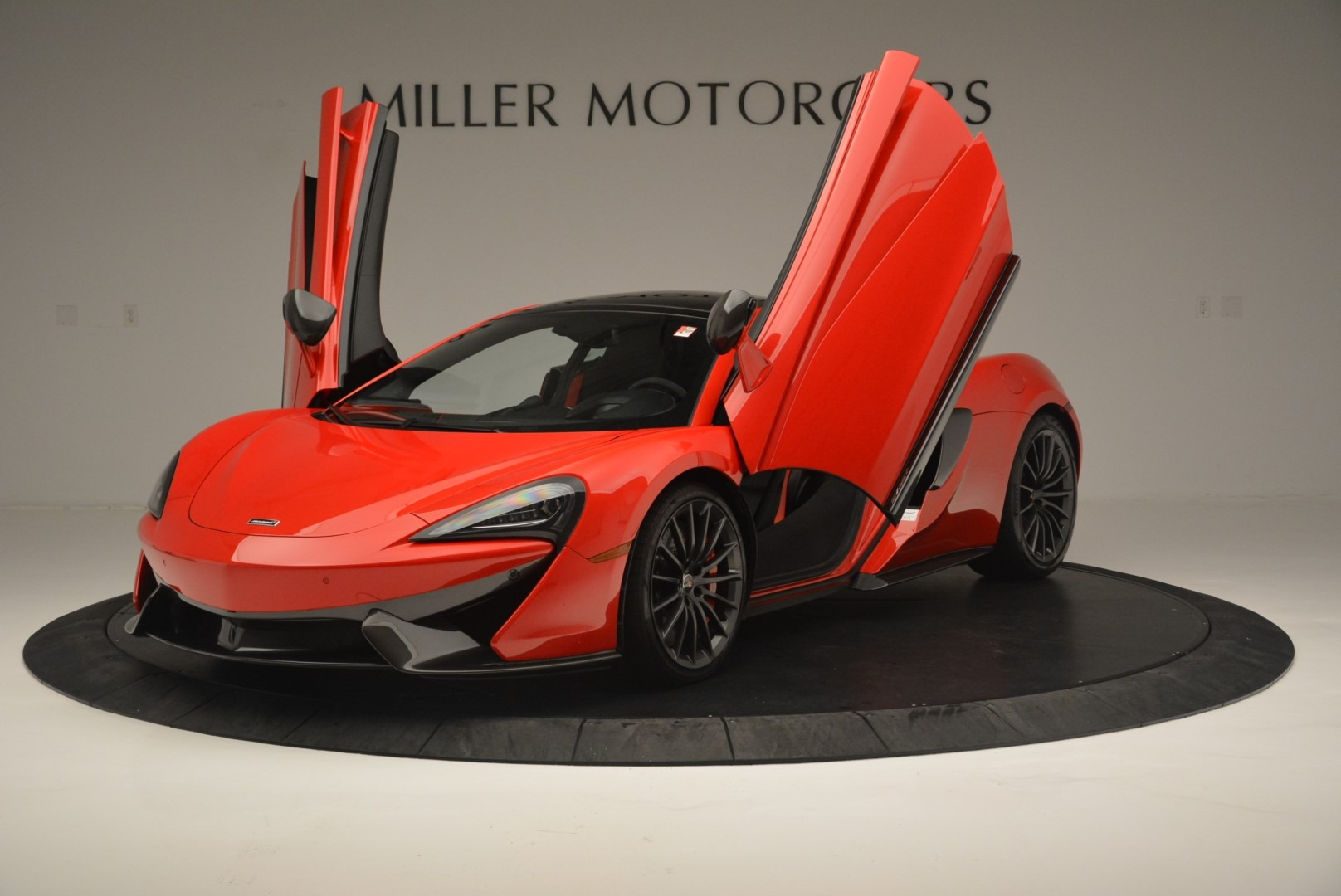 Used 2018 McLaren 570GT  For Sale In Greenwich, CT. Alfa Romeo of Greenwich, MC384 2462_p14