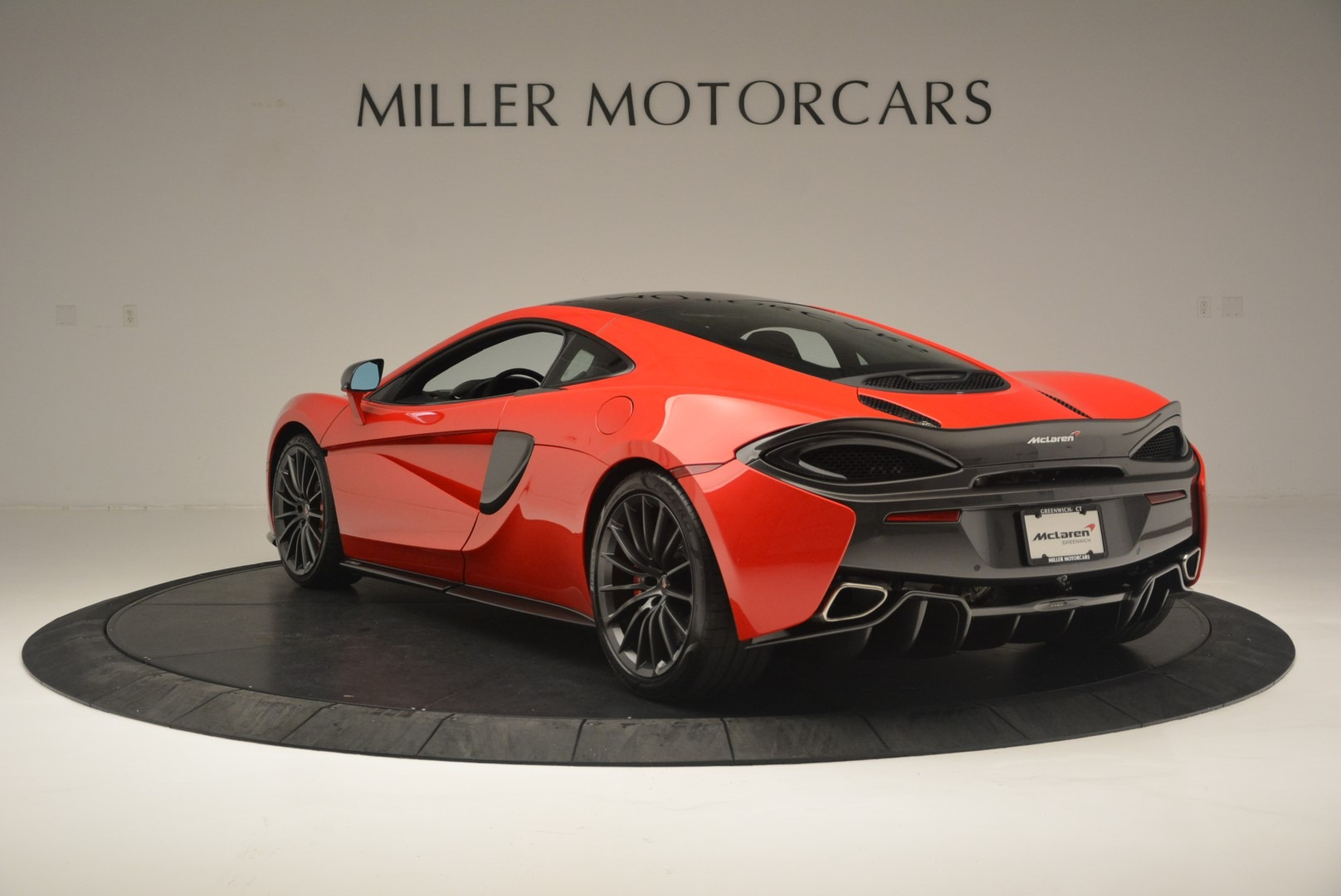 Used 2018 McLaren 570GT  For Sale In Greenwich, CT. Alfa Romeo of Greenwich, MC384 2462_p5