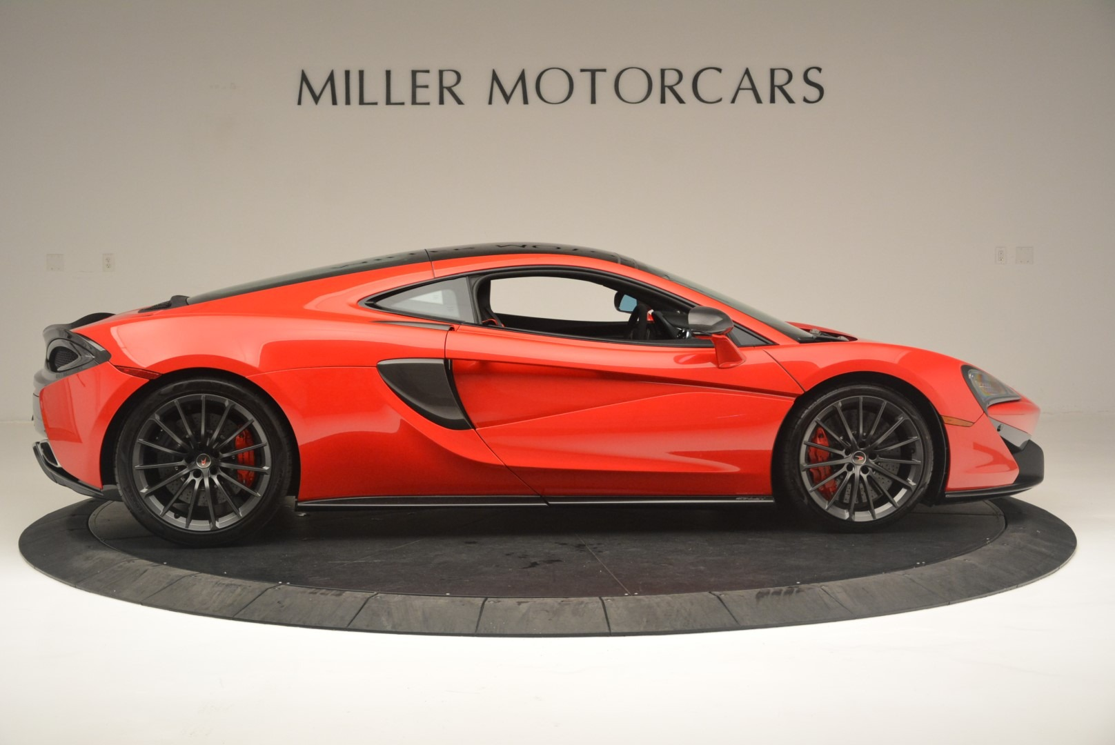 Used 2018 McLaren 570GT  For Sale In Greenwich, CT. Alfa Romeo of Greenwich, MC384 2462_p9