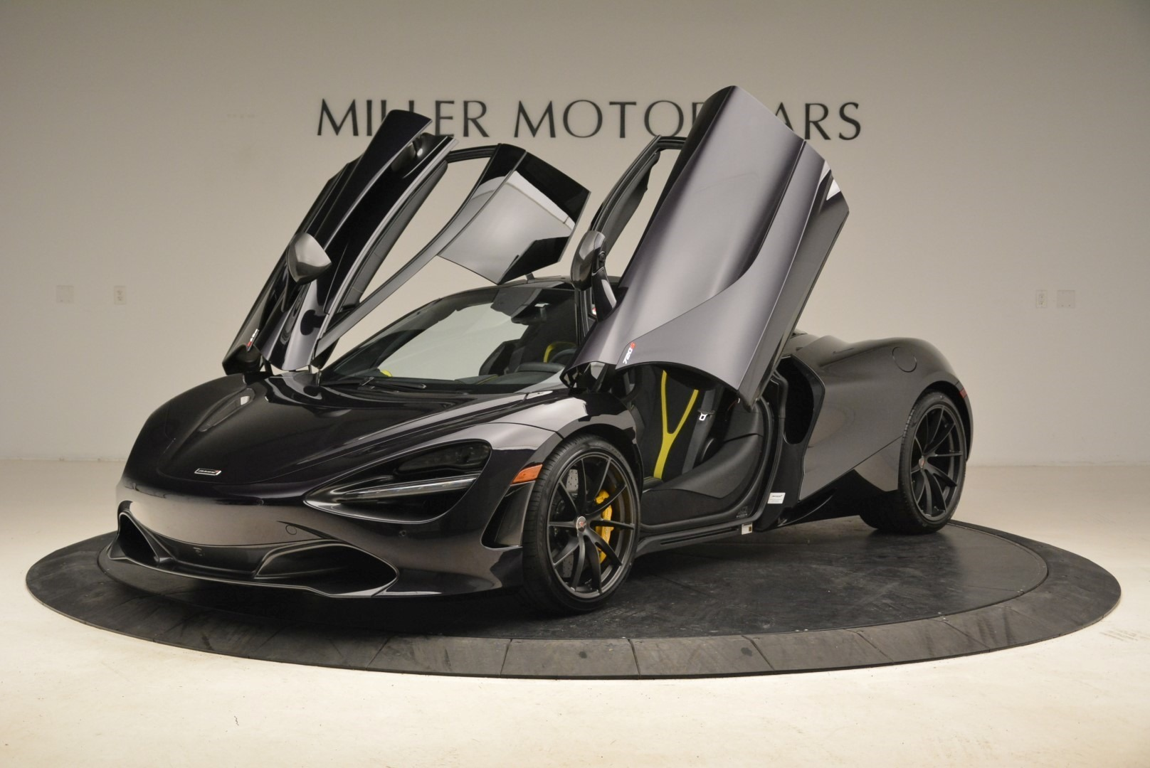 Used 2018 McLaren 720S Coupe For Sale In Greenwich, CT. Alfa Romeo of Greenwich, 3143 2474_p14