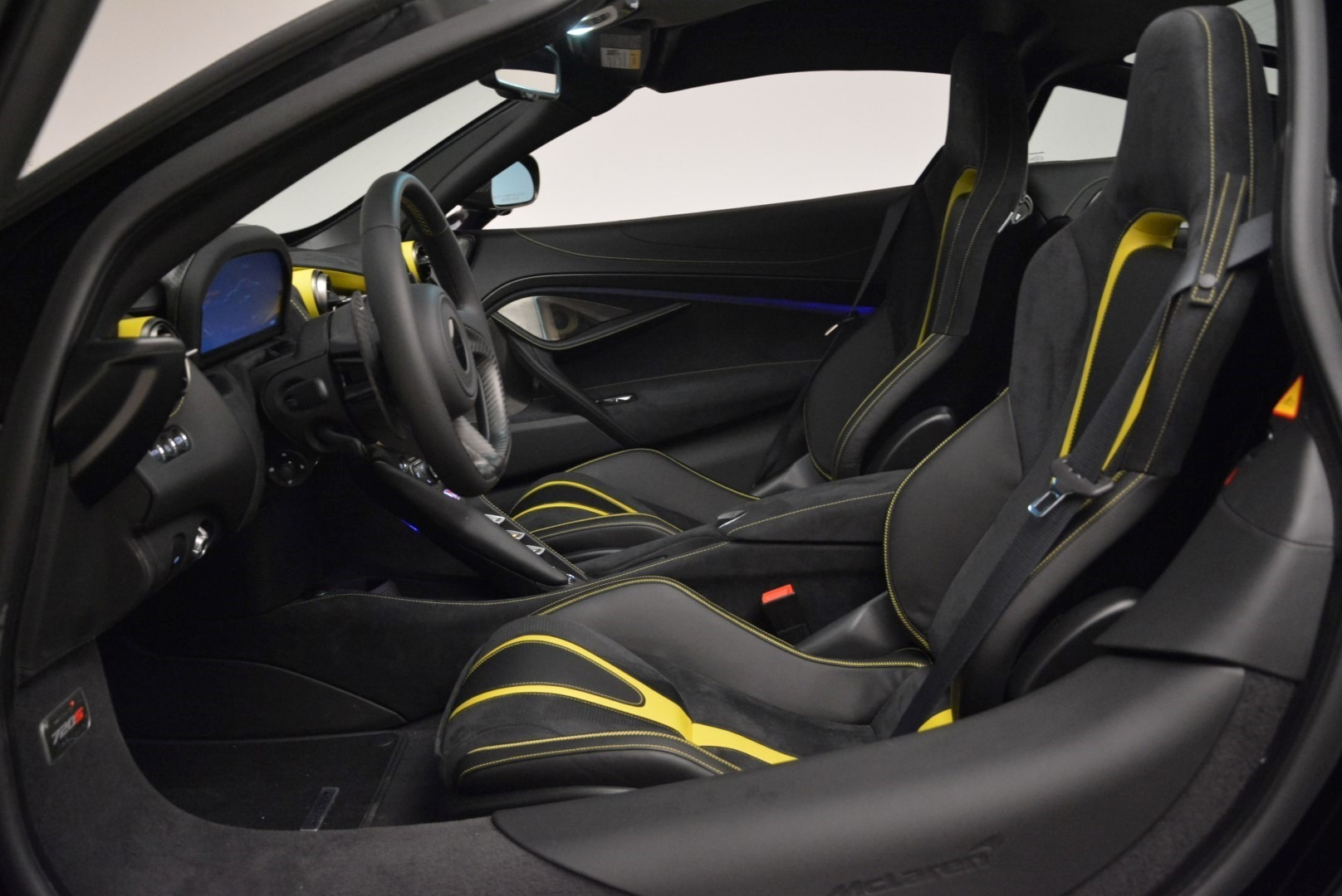 Used 2018 McLaren 720S Coupe For Sale In Greenwich, CT. Alfa Romeo of Greenwich, 3143 2474_p16