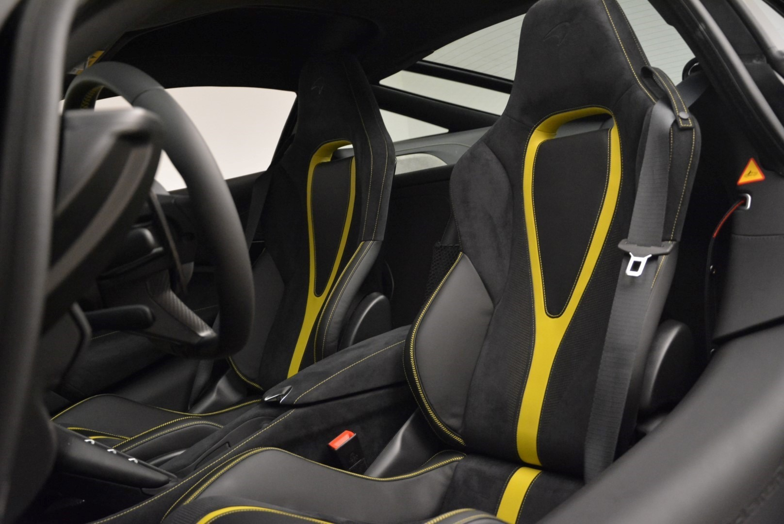 Used 2018 McLaren 720S Coupe For Sale In Greenwich, CT. Alfa Romeo of Greenwich, 3143 2474_p17